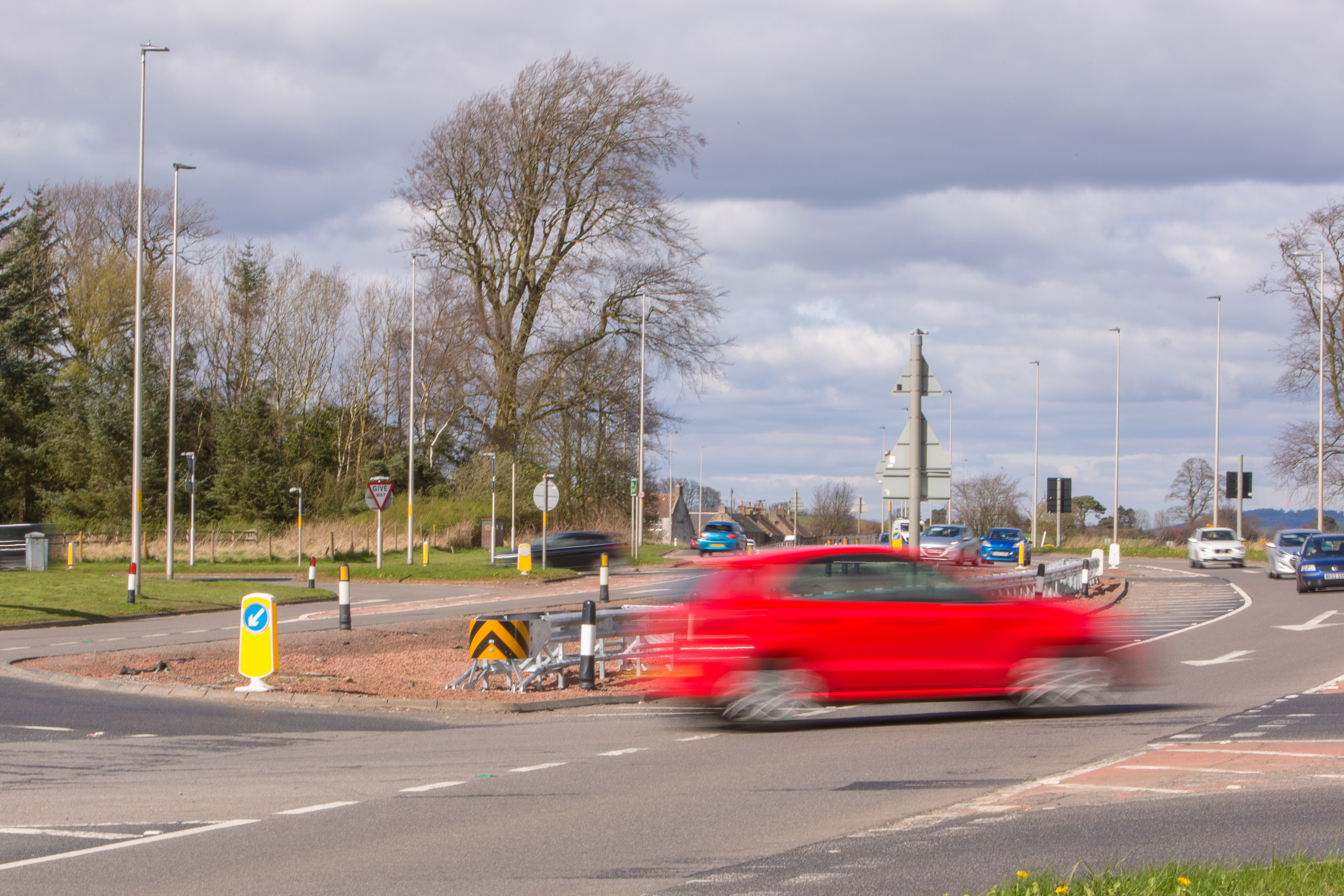 Traffic lights will be installed at the Balfarg junction of the A92 in Glenrothes.