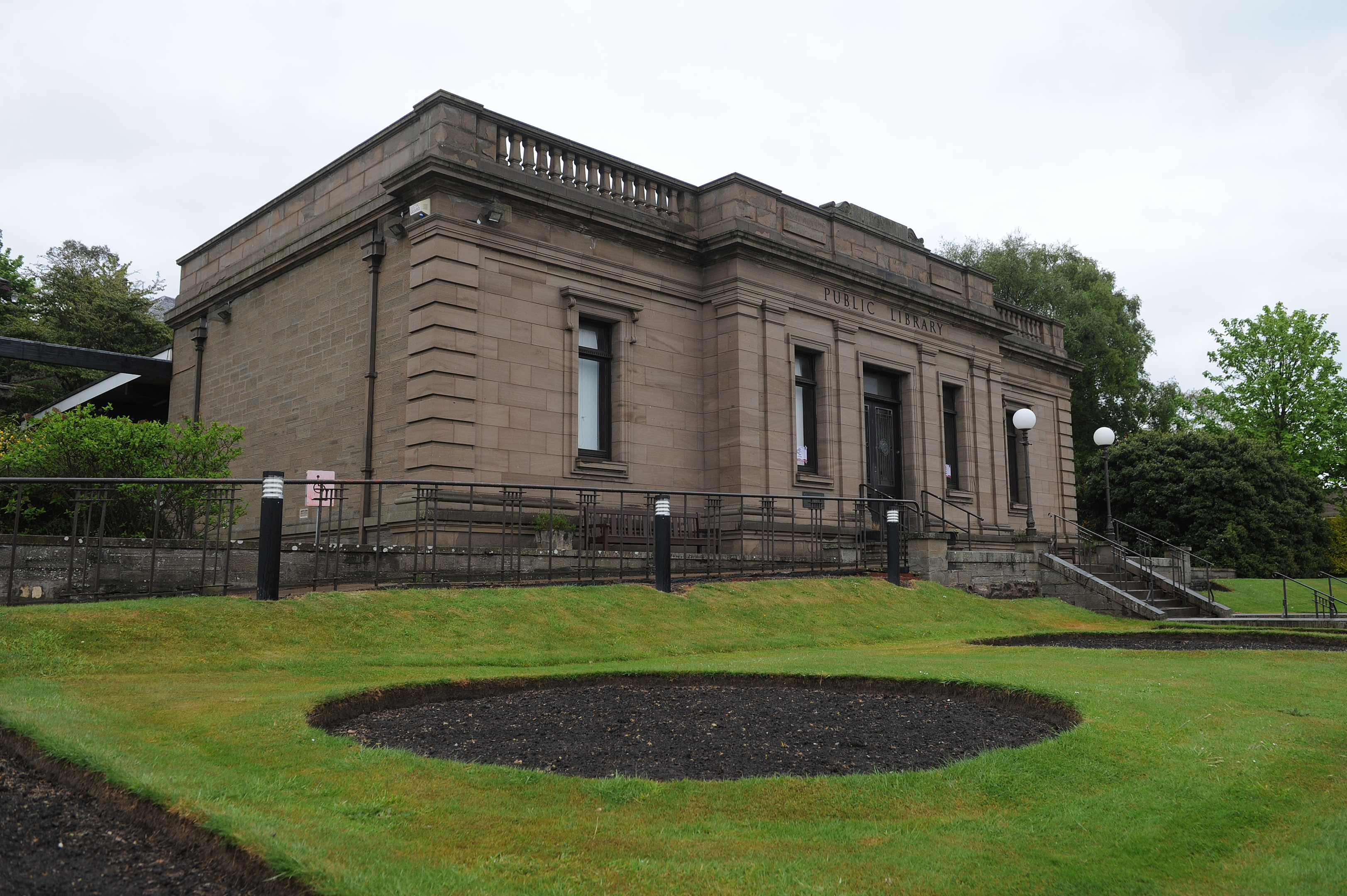 £879,000 is still needed for the library extension to go ahead.