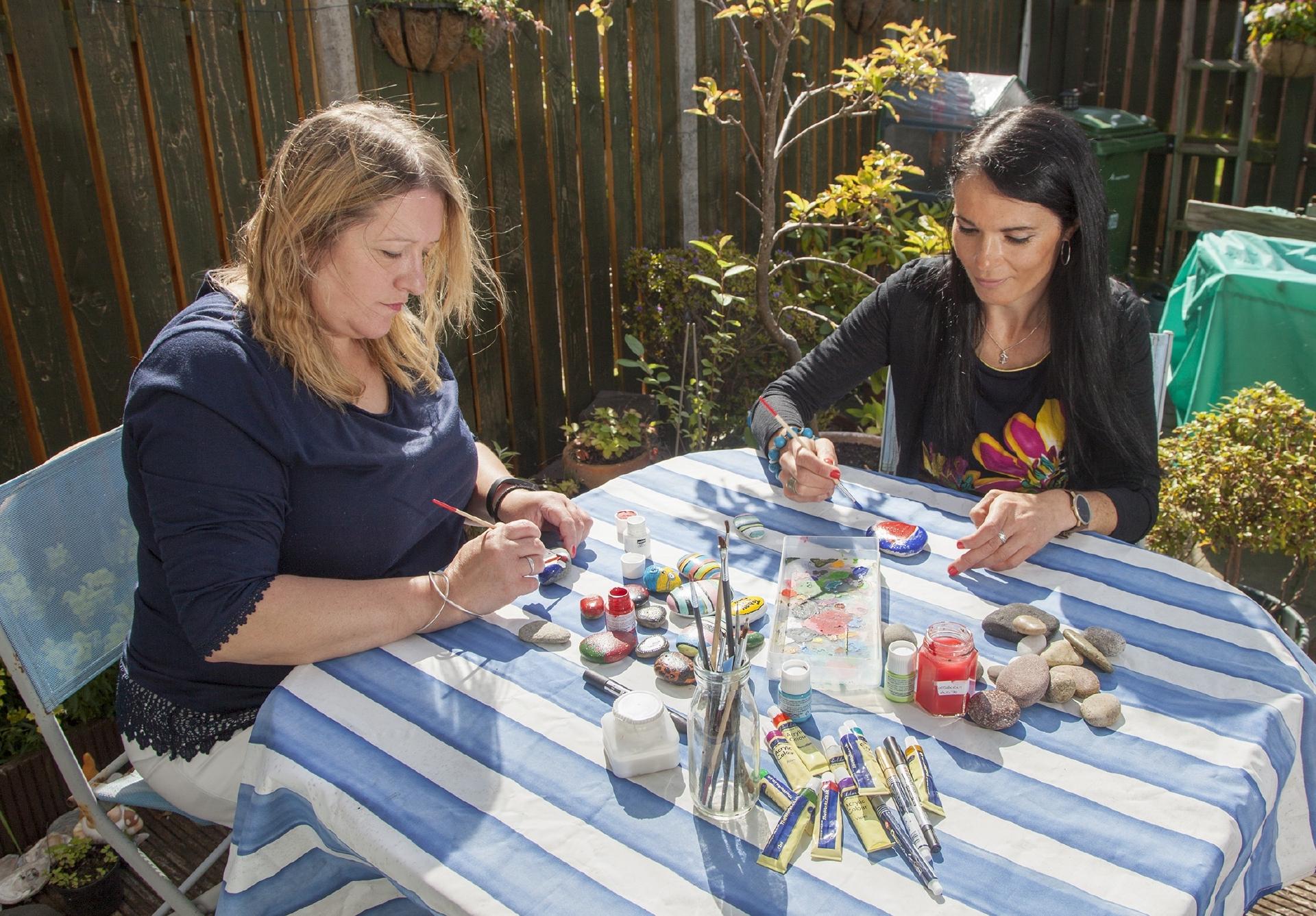 Carnoustie Rocks founder Emma Allan inspires Gayle to paint her own design.