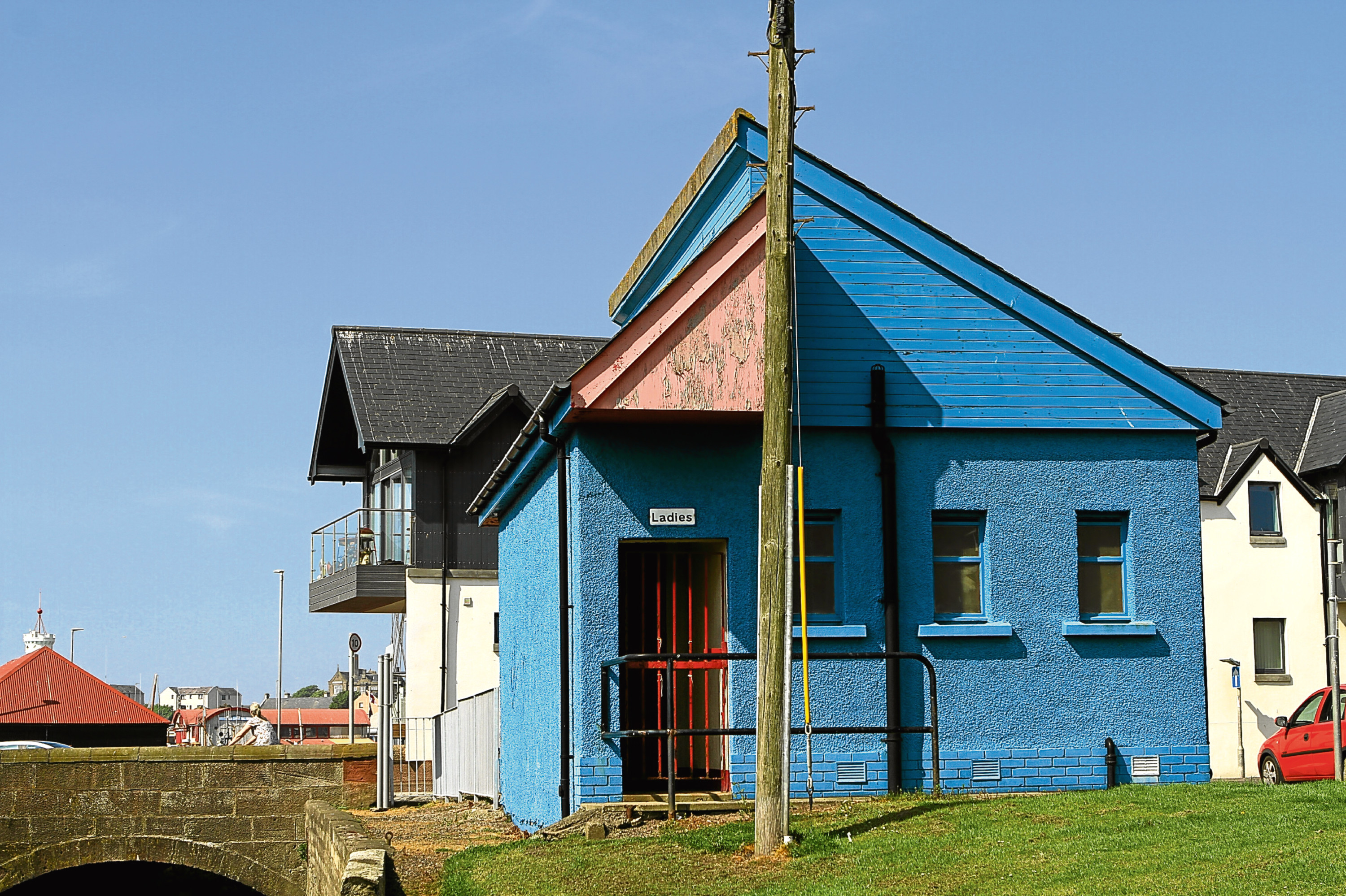 The contested toilet block at Old Shore Head, Arbroath.