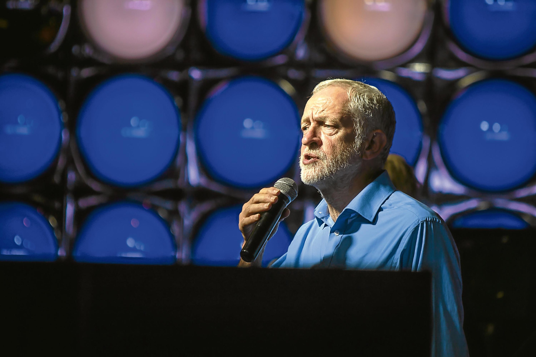 Labour leader Jeremy Corbyn addresses the audience at Kitty's, Kirkcaldy.
