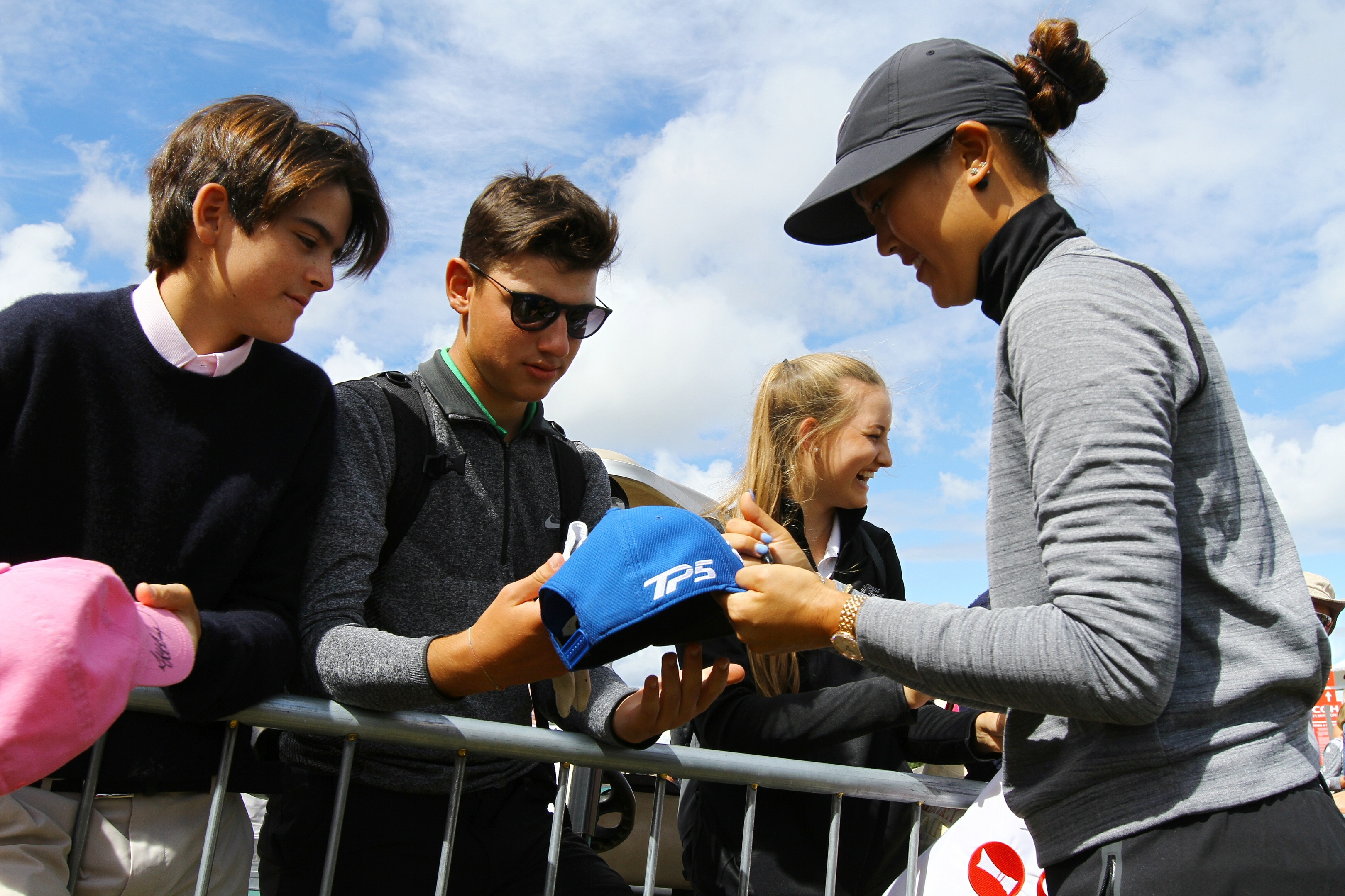 Michelle Wie signed autographs for fans after breaking the women's course record