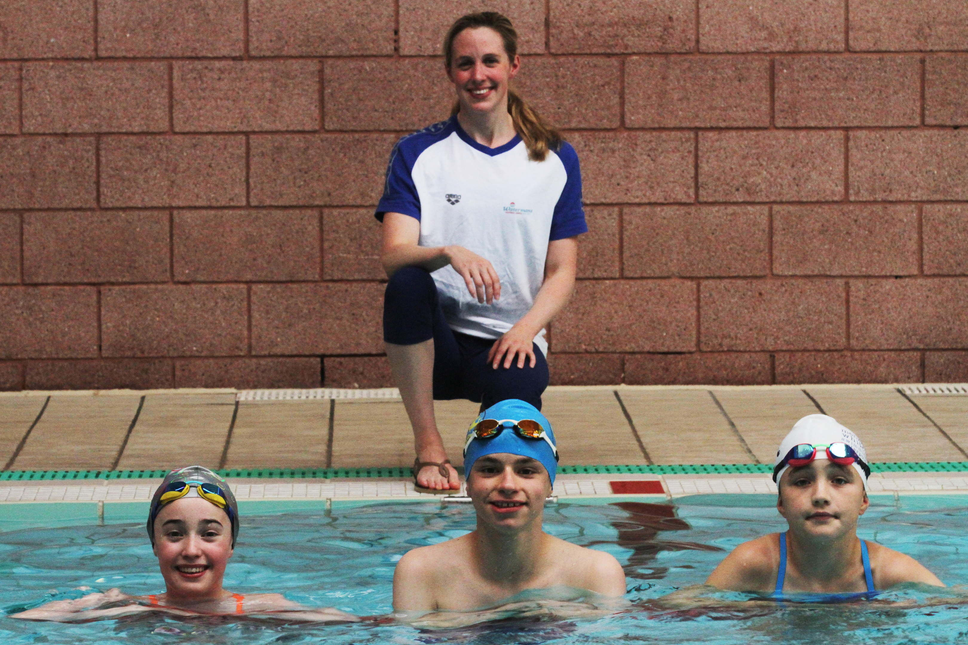 Hannah Miley with from left, Emily Cumming, 11, Kinross Amateur Swimming Club, Cameron Blair, 14 from Montrose and District Seals and Lucy Stoves, 10 from Menziehill Whitehall Swimming and Water Polo Club.