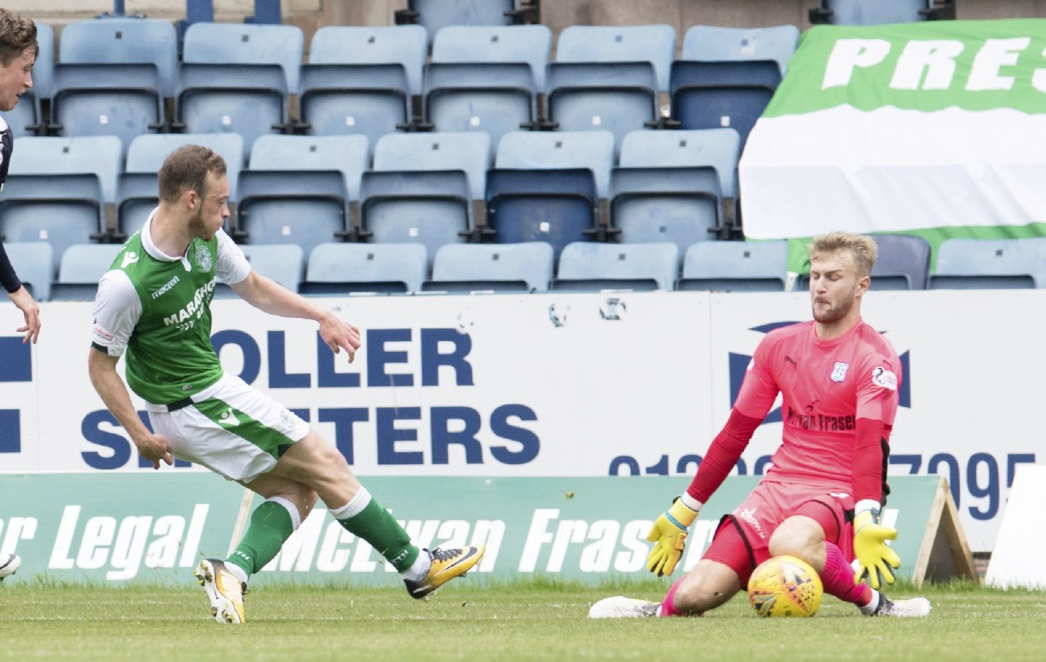 Scott Bain makes one of his many saves.