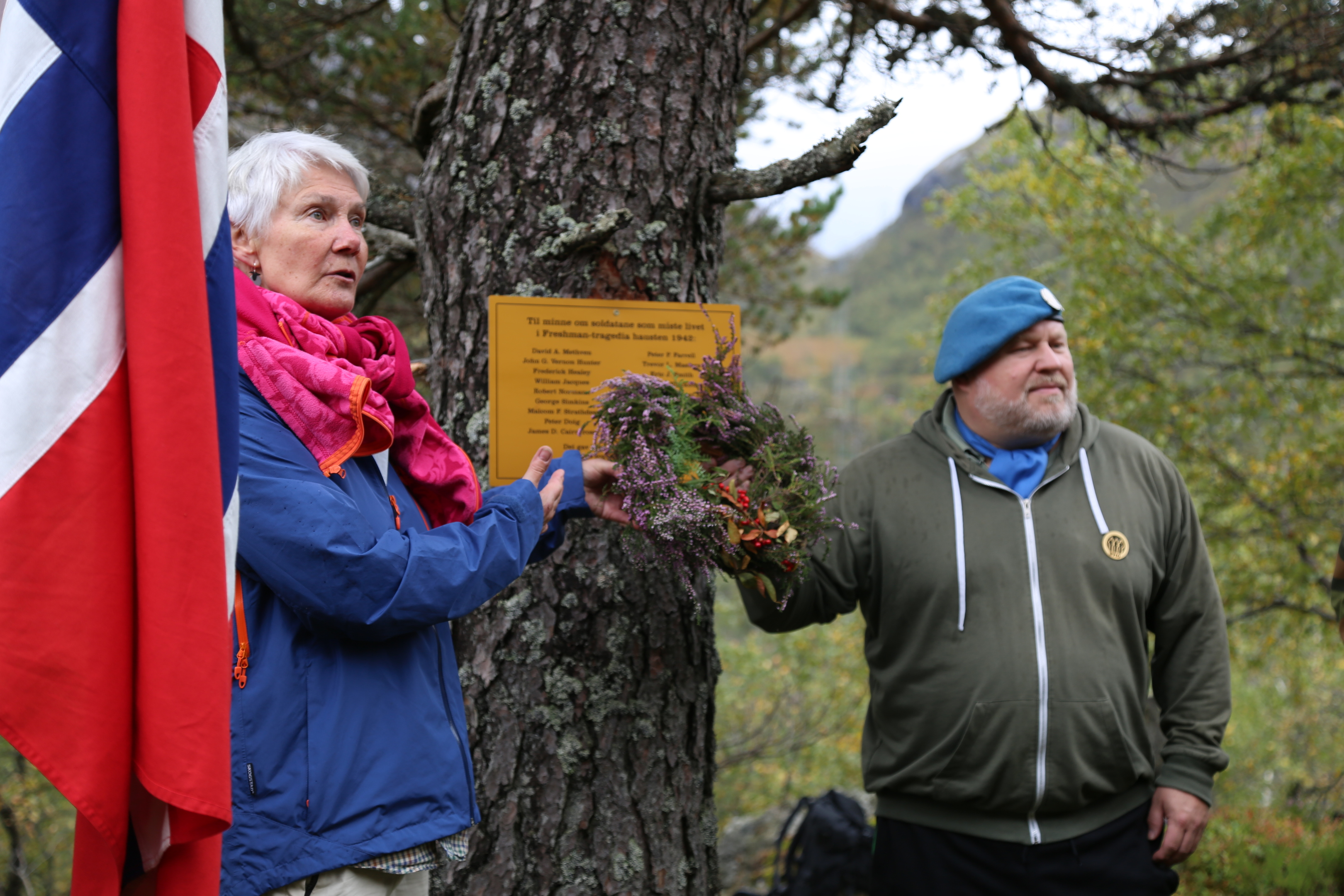 Tora Liv, a well-known local historian, unveiled the plaque at the site alongside a Norwegian veteran