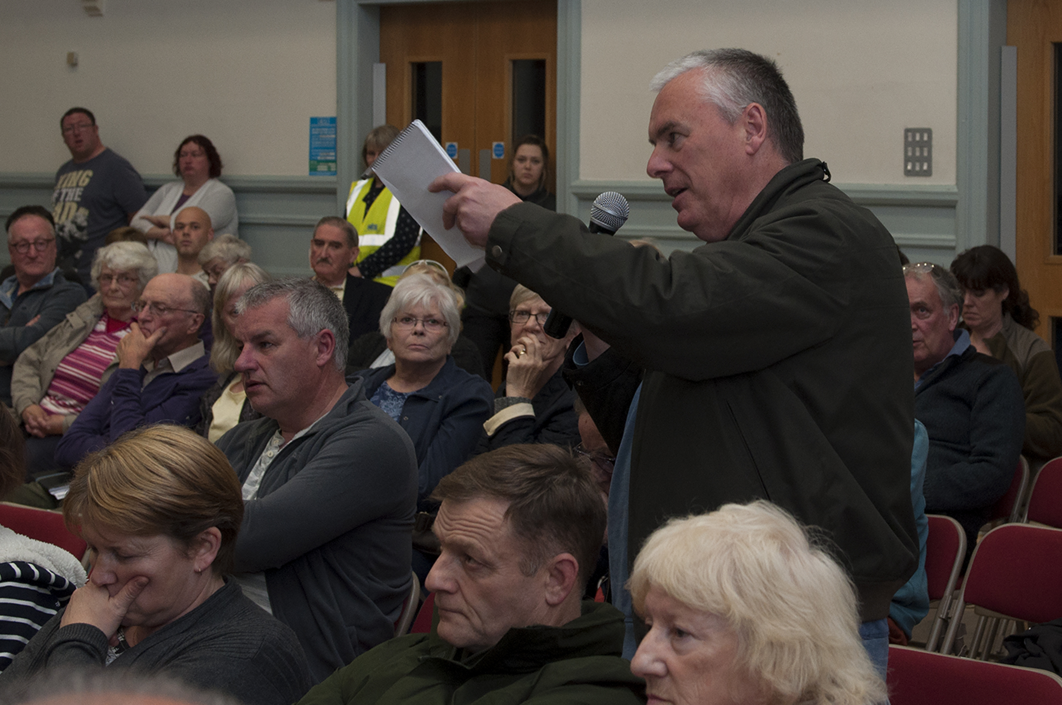 A member of the public puts a point across to the panel in Kirriemuir.