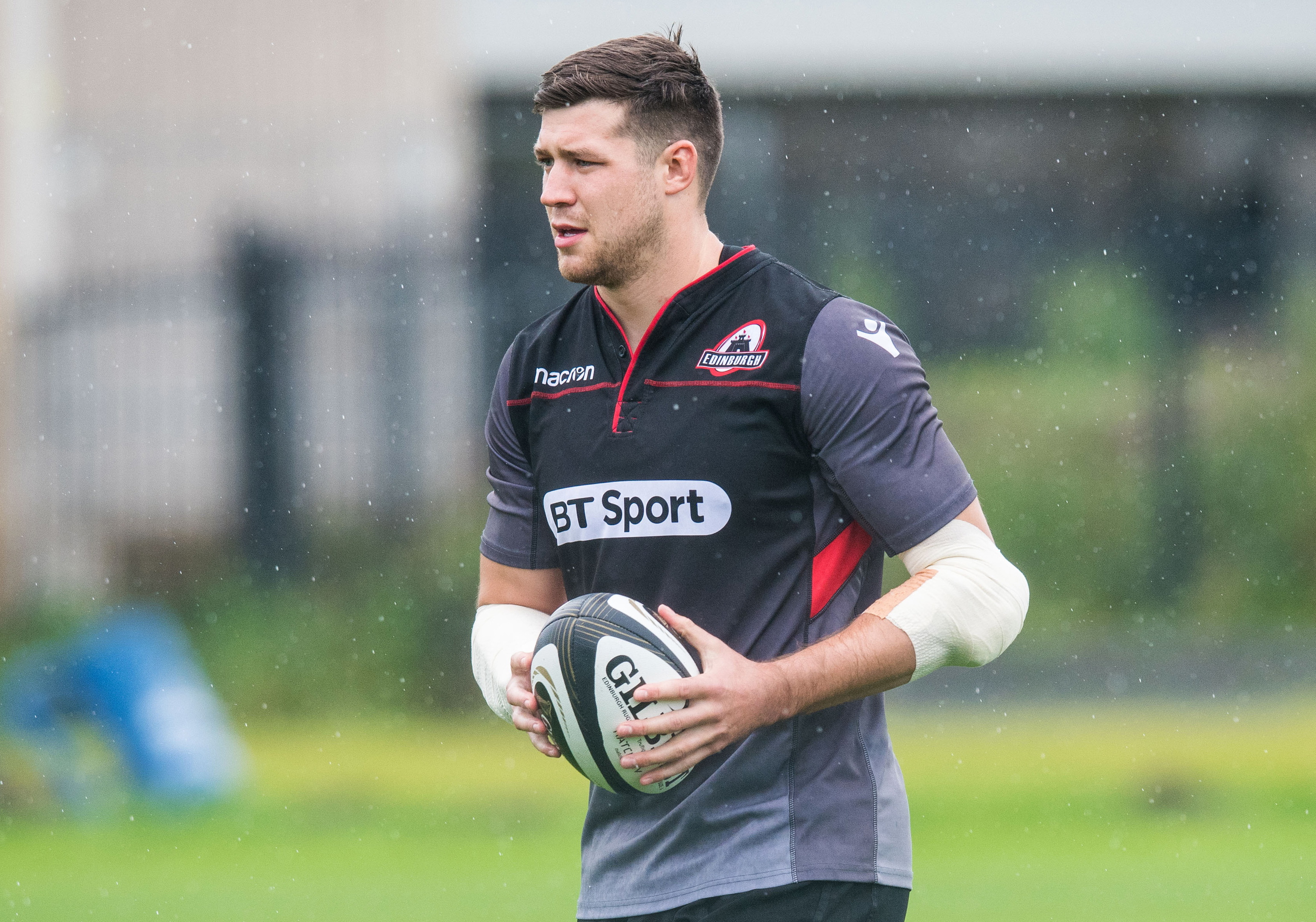 Grant Gilchrist makes his 100th appearance for Edinburgh against Dragons tomorrow.