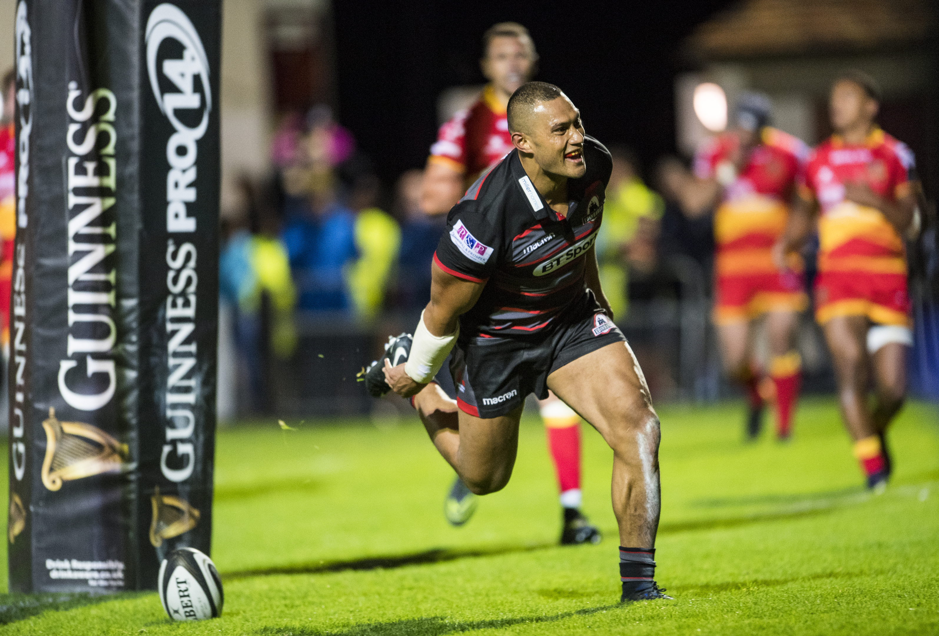 Robbie Fruean claimed Edinburgh's fourth try in their home opener against Dragons on Friday.