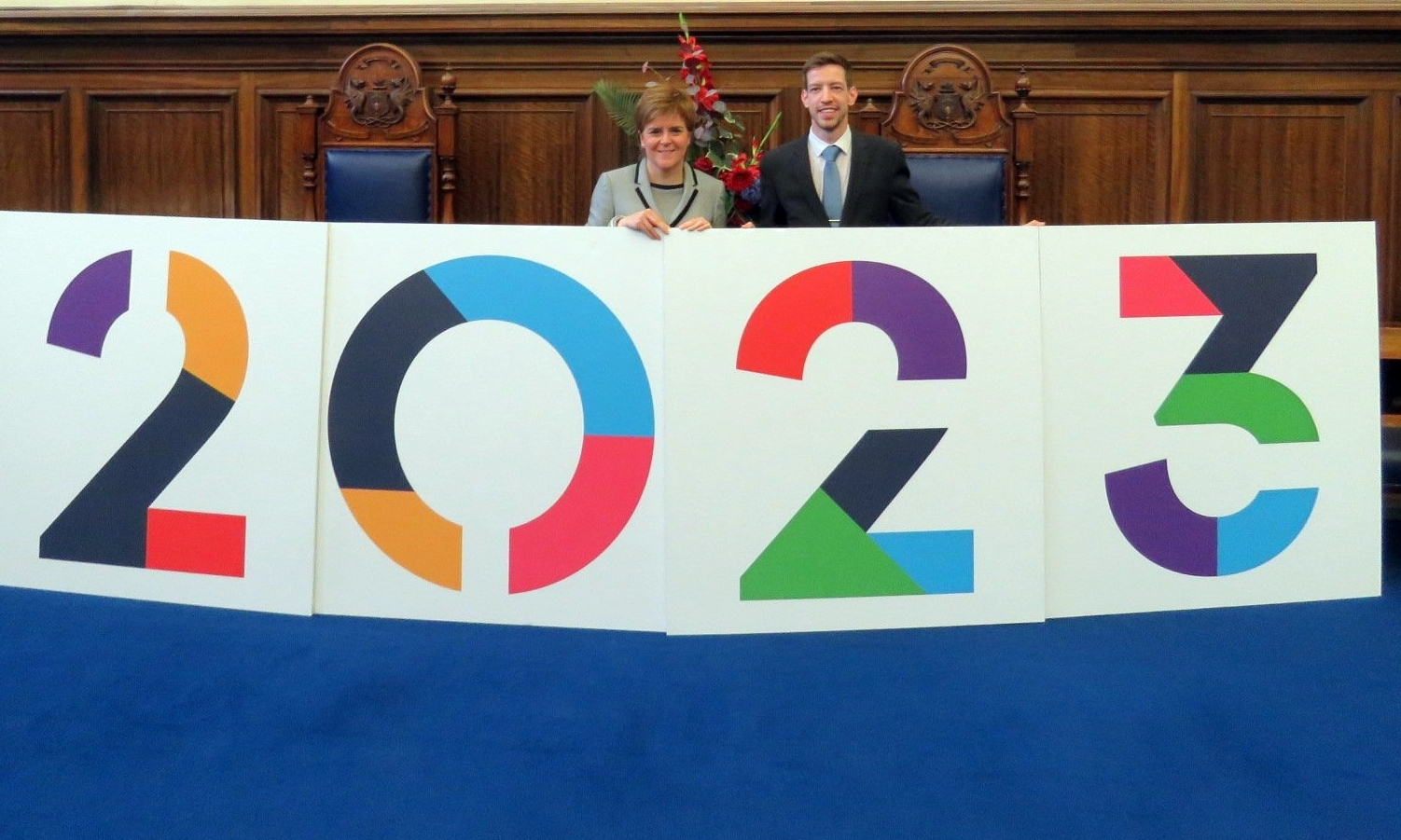 Nicola Sturgeon shows her support for the Dundee 2023 campaign alongside city council leader John Alexander.