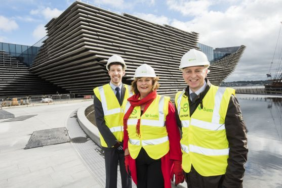 Culture secretary Fiona Hyslop with Dundee City Council leader John Alexander and V&A director Philip Long.
