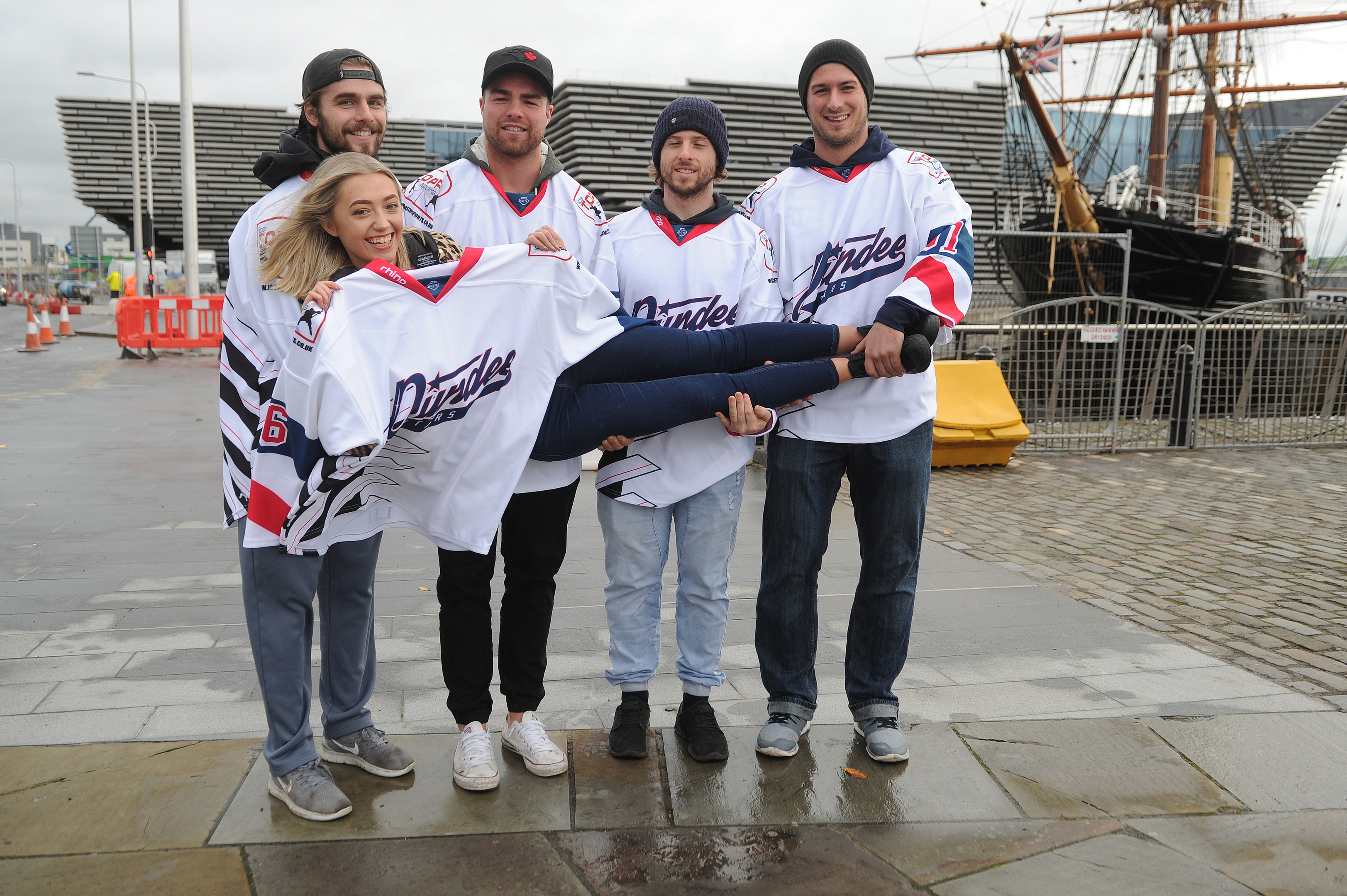 Lucy Hendry with Dundee Stars.
