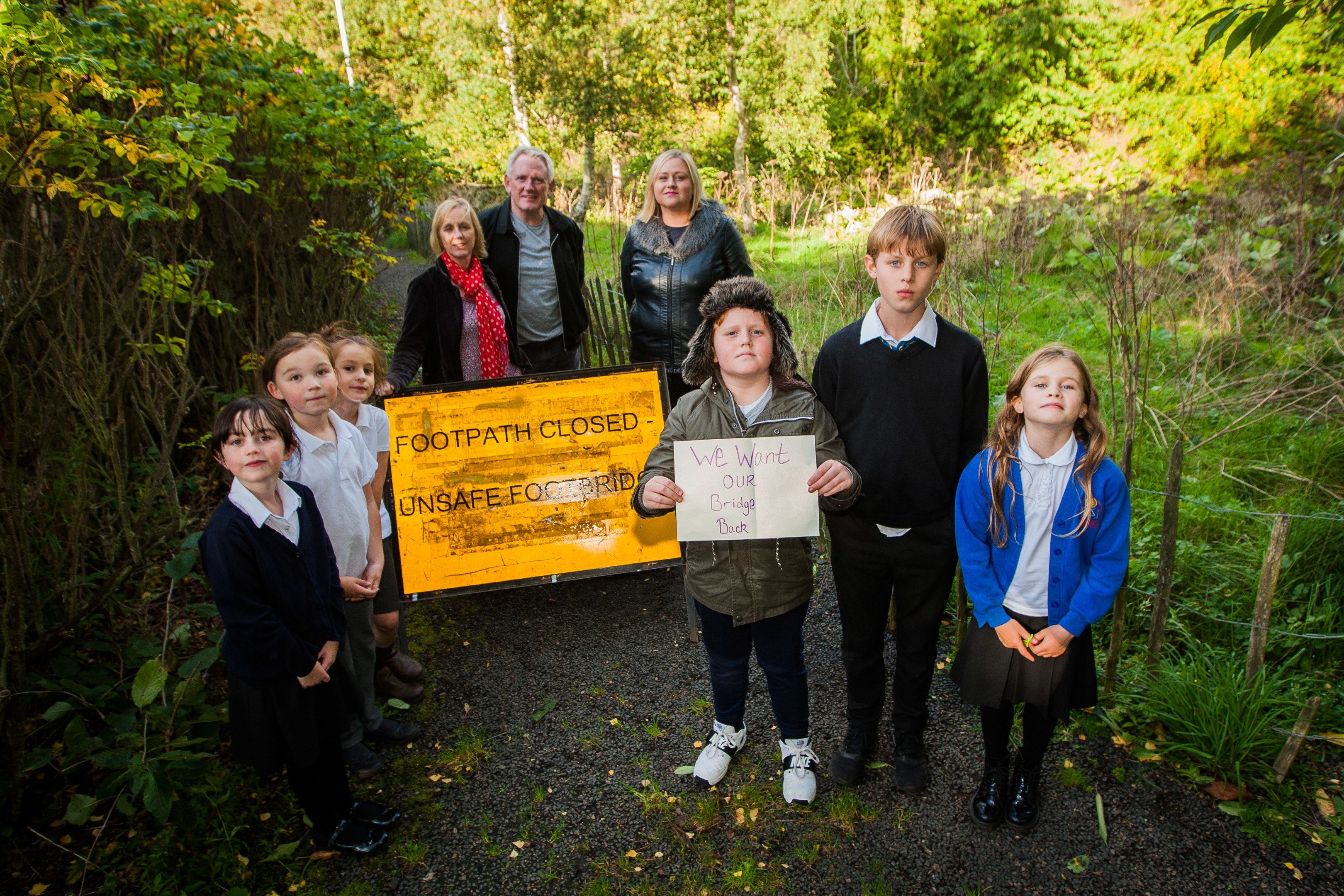 Parents and children in Lundin Links want the footbridge on their safer route to school repaired