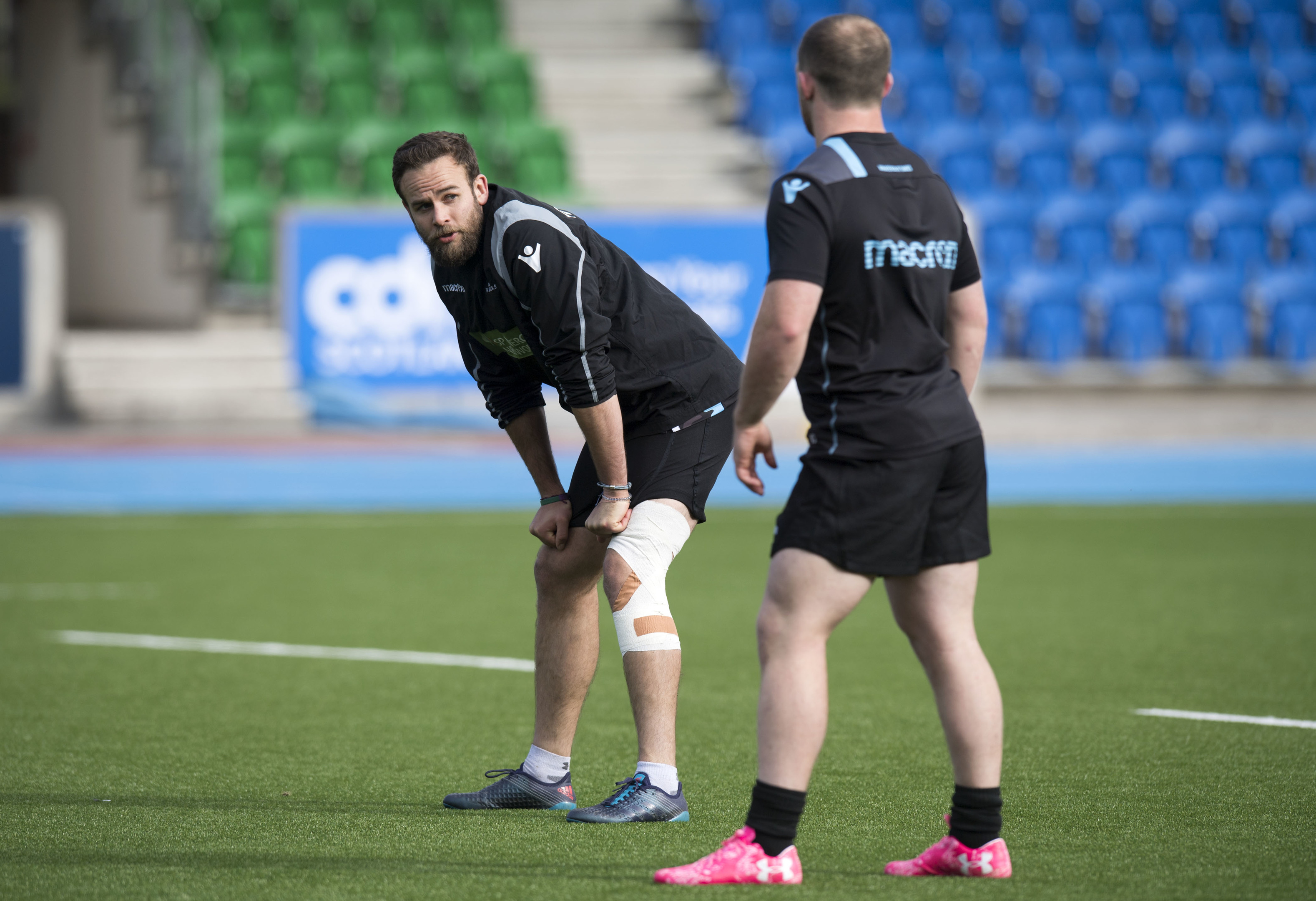 Ruaridh Jackson takes a break in training ahead of Glasgow's ERCC meeting with Exeter.