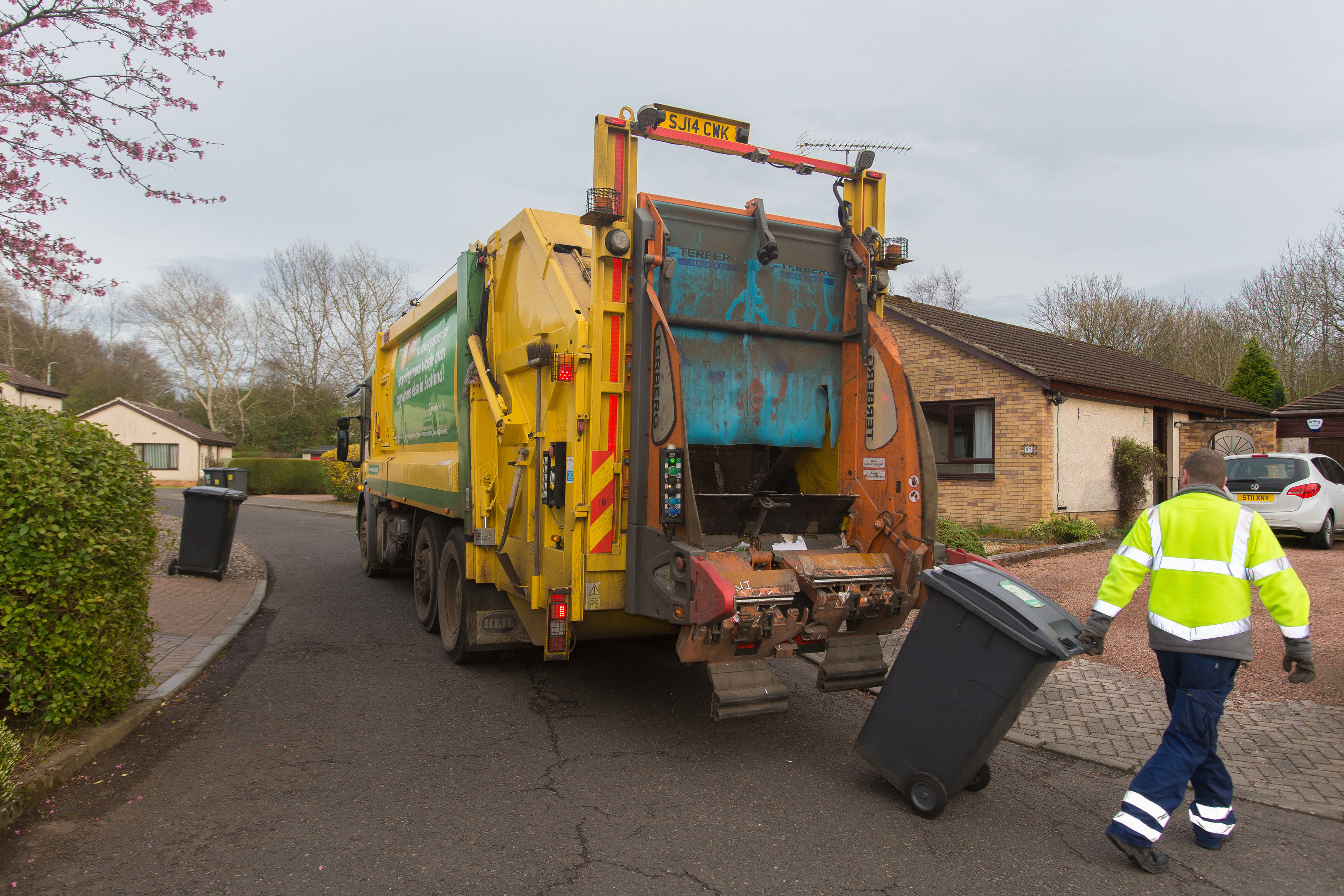 Wheelie bins being emptied in Glenrothes.