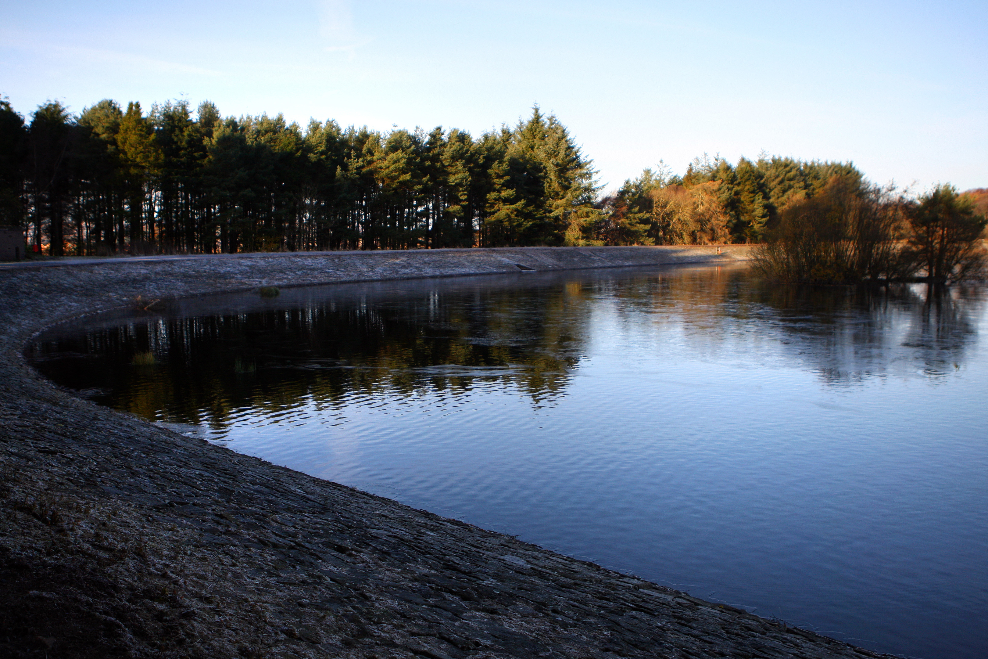 People are advised not to swim in Clatto this weekend.