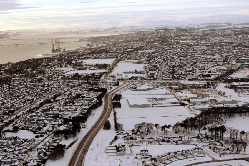 Snow covering Dundee in 2010.