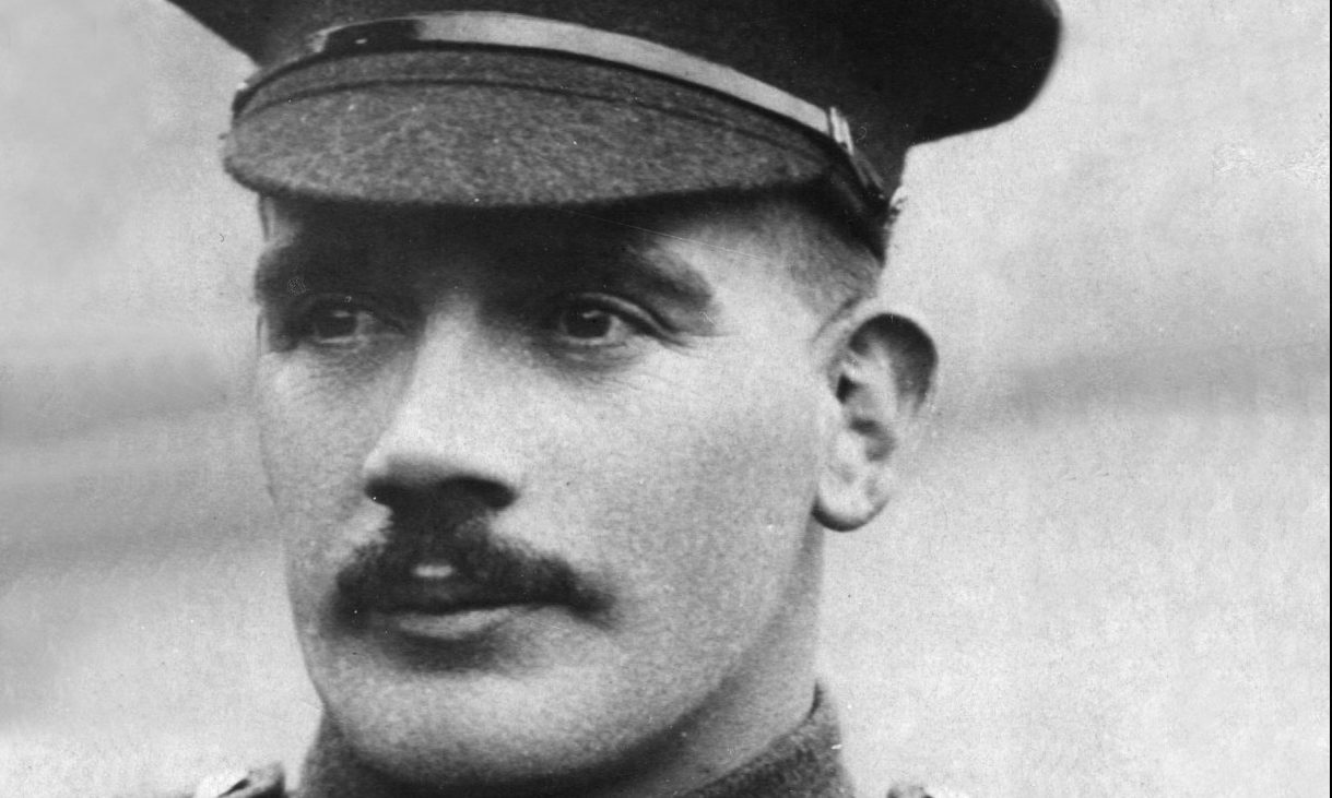 A commemorative stone will be unveiled in Kinghorn for Sergeant John McAulay
