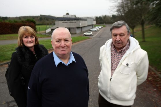 Picture shows SheIla Mitchell, from Auchmuty and Dovecot Tenants Association, Davie Nelson and Ian Robertson - Glenrothes Area Residents Federation (GARF).