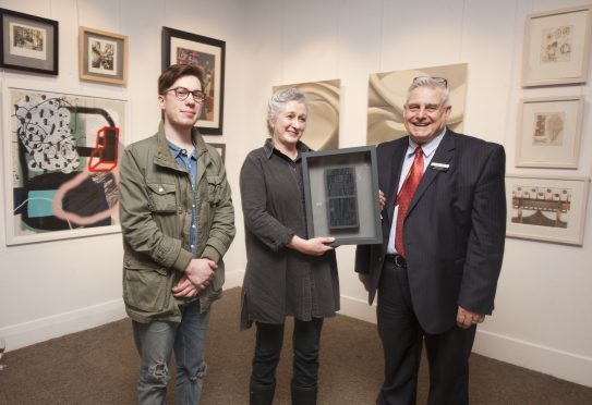 ANGUSalive Announces Winter Exhibition Winners at the Meffan Museum and Gallery..Artist Julia Gardener who won the Colin Dakers Memorial Purchase Prize...pictured with Sandy Dakers (son of Colin Daker) and David Moore, ANGUSalive non-executive board member..Pic Paul Reid