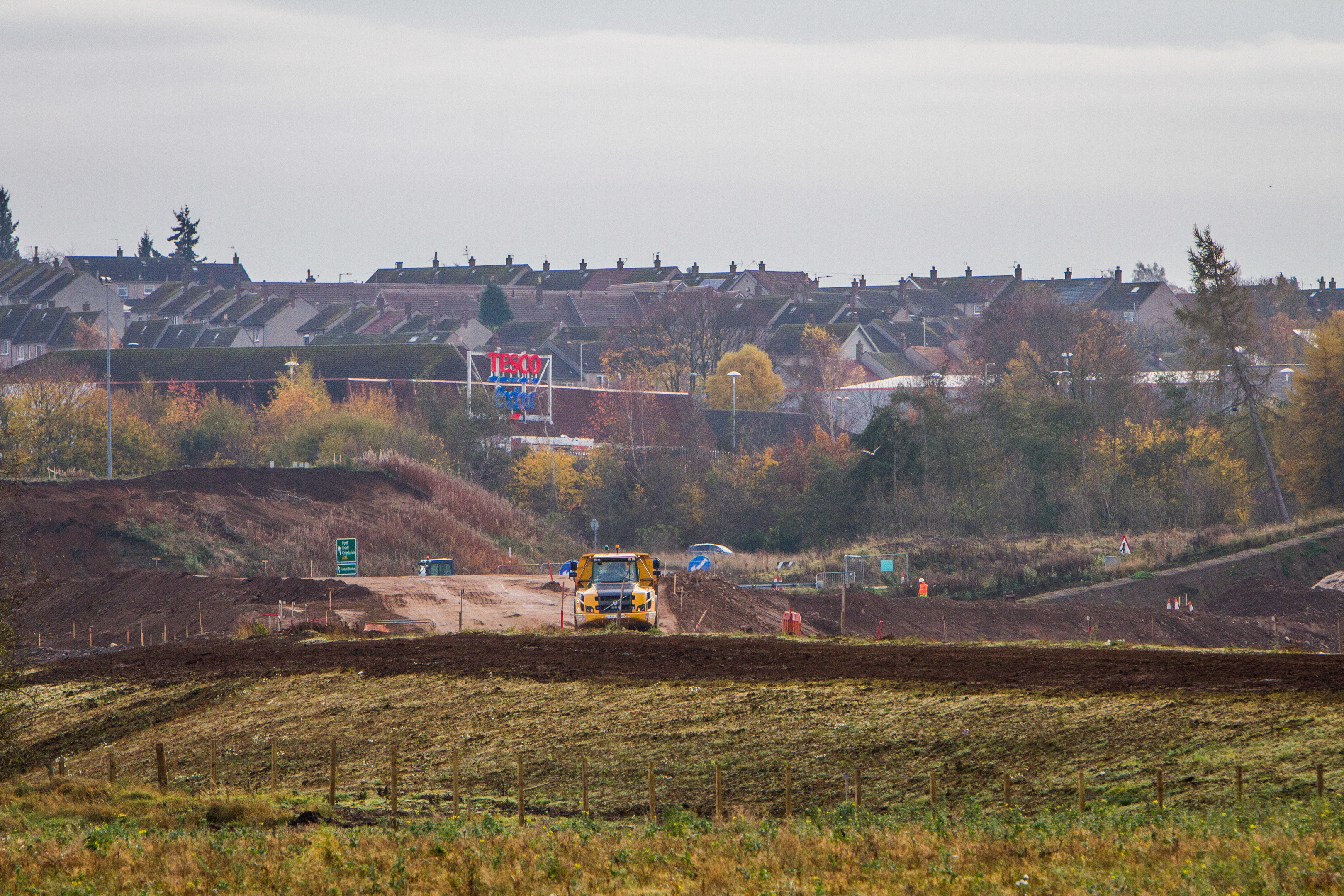Current development work alongside A9 on Perth by-pass between Broxden and Inveralmond roundabouts