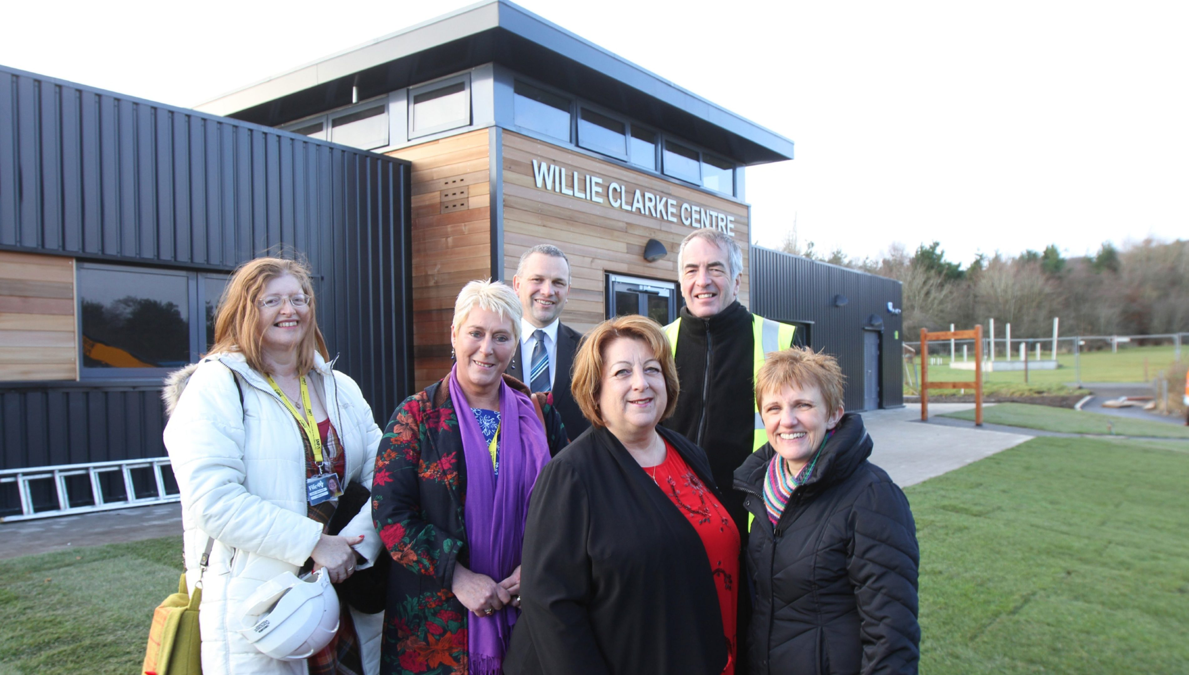 Pic shows; Councillors Lesley Backhouse, Rosemary Liewald, Linda Erskine and Judy Hamilton with Ian Laing - Park Manager and Gavin Turner - Architect.