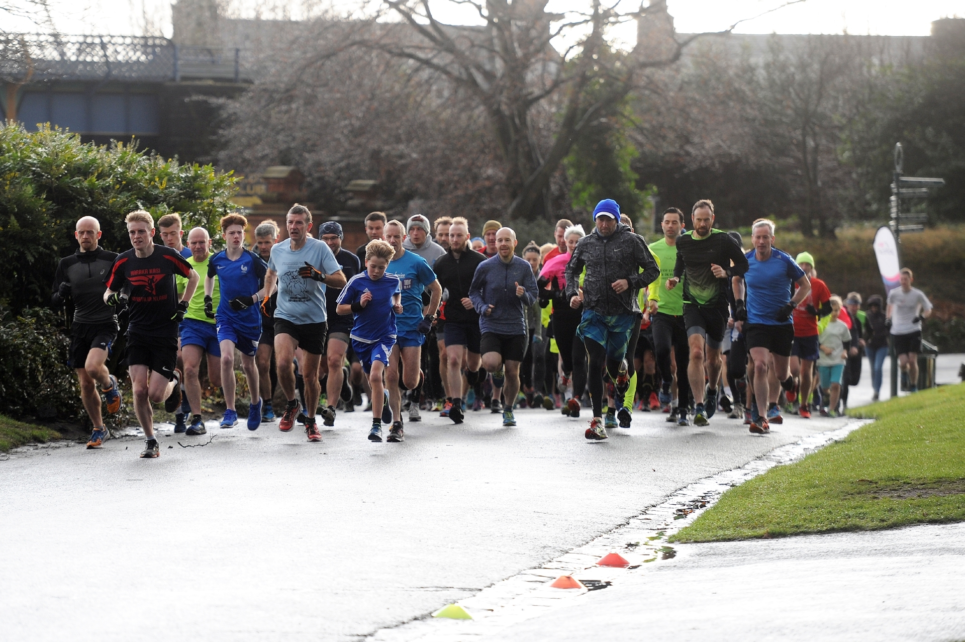Courier News - News - Jonny Watson story; Weekly 5k park run, special New Year's Day run. Picture Shows; the runners off on their run, Beveridge Park, Kirkcaldy, 01st January 2018