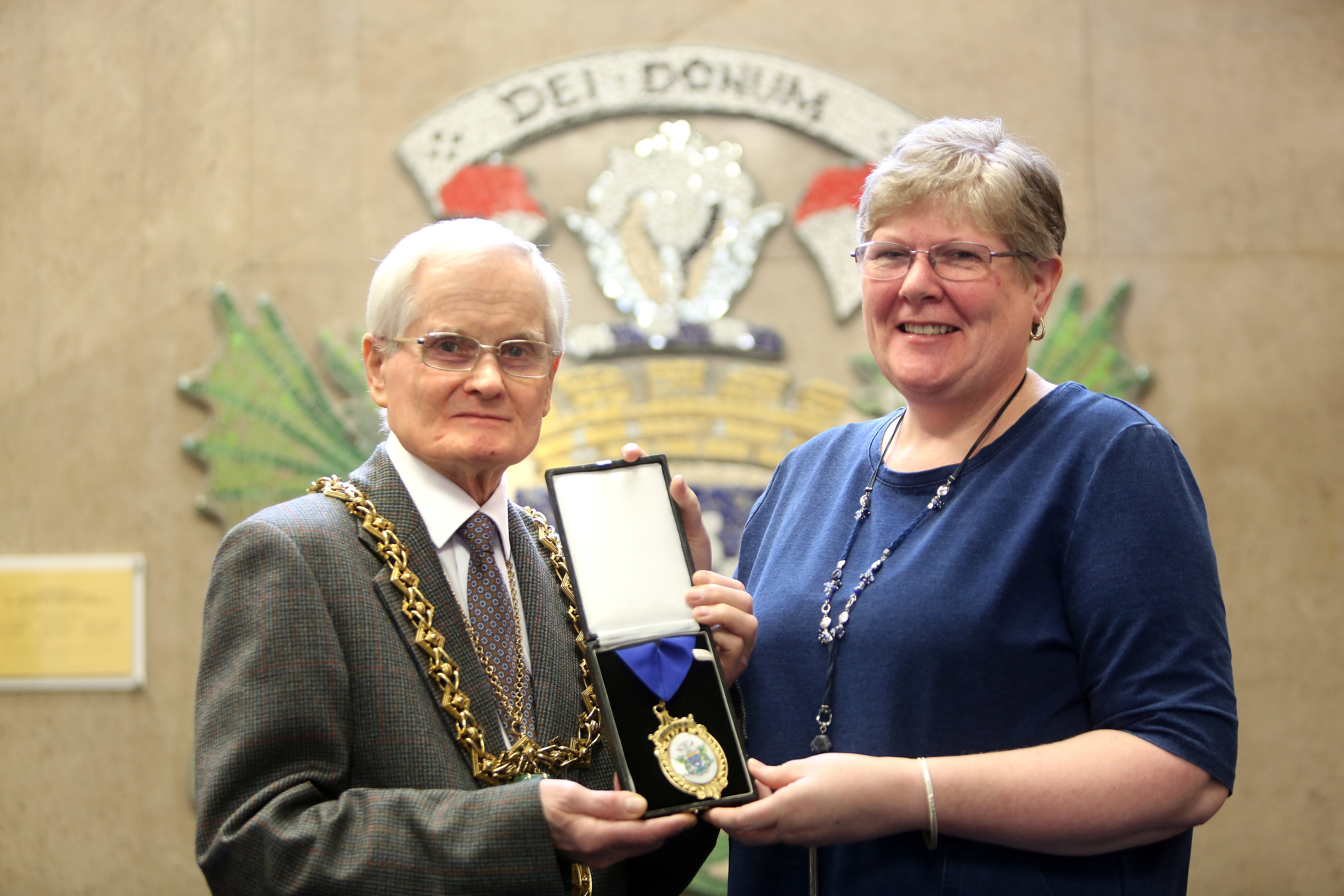 Lord Provost Ian Borthwick with 2018 Dundee Citizen of the Year Debbie Findlay.