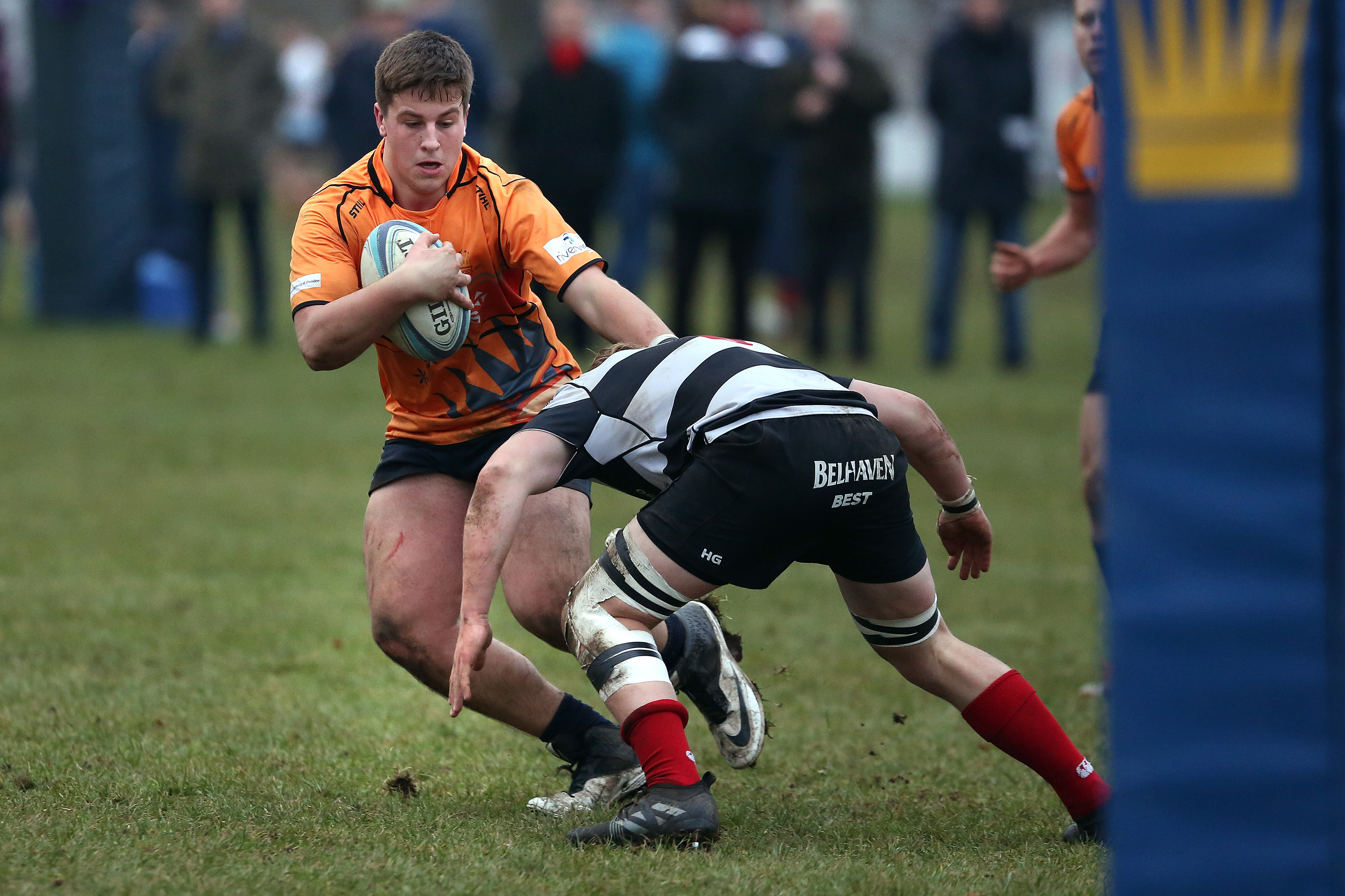Dundee High's Murphy Walker has been called up to Scotland's Under-20s squad for the Six Nations.
