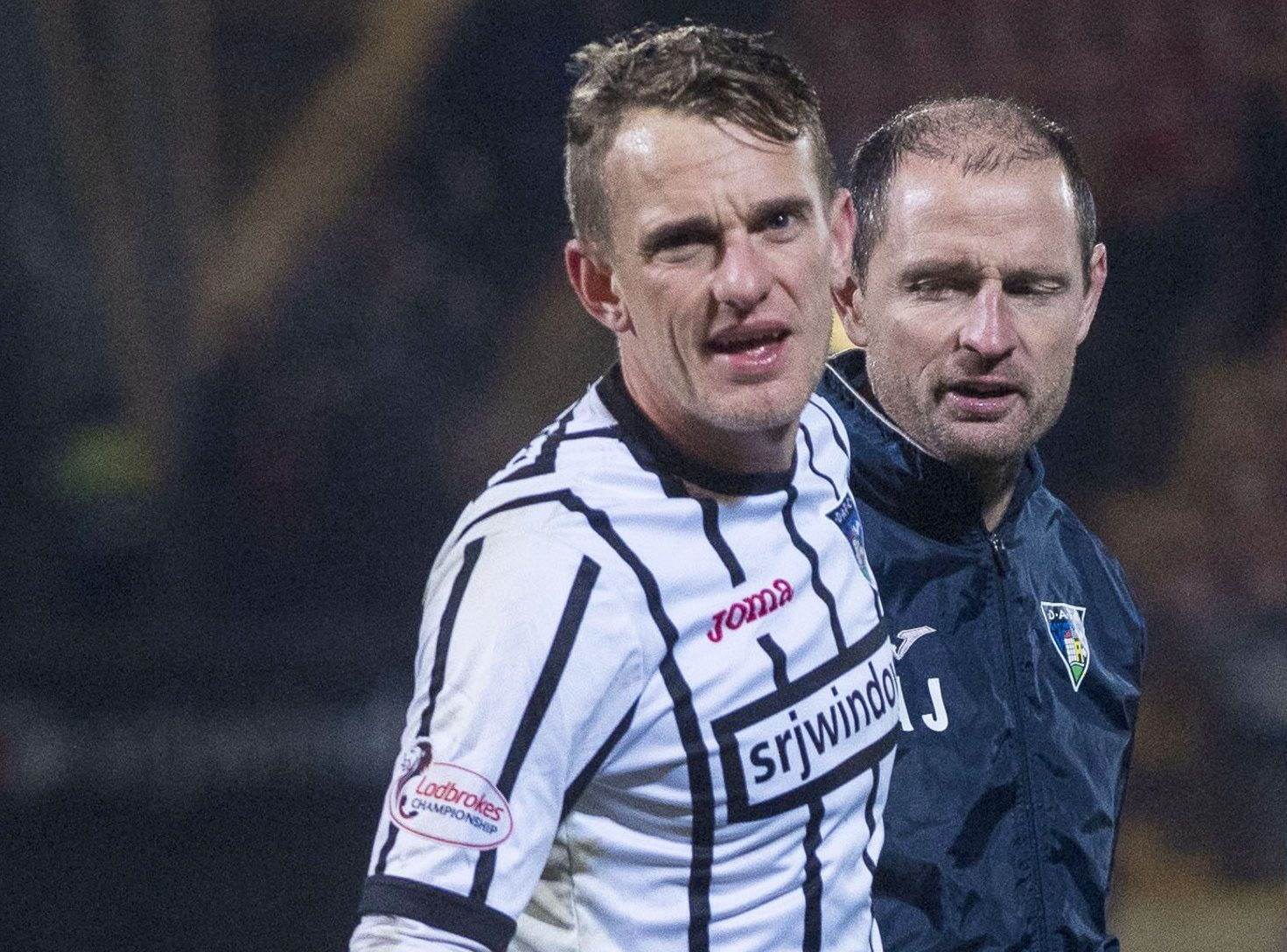 Dunfermline's Dean Shiels with manager Allan Johnston.