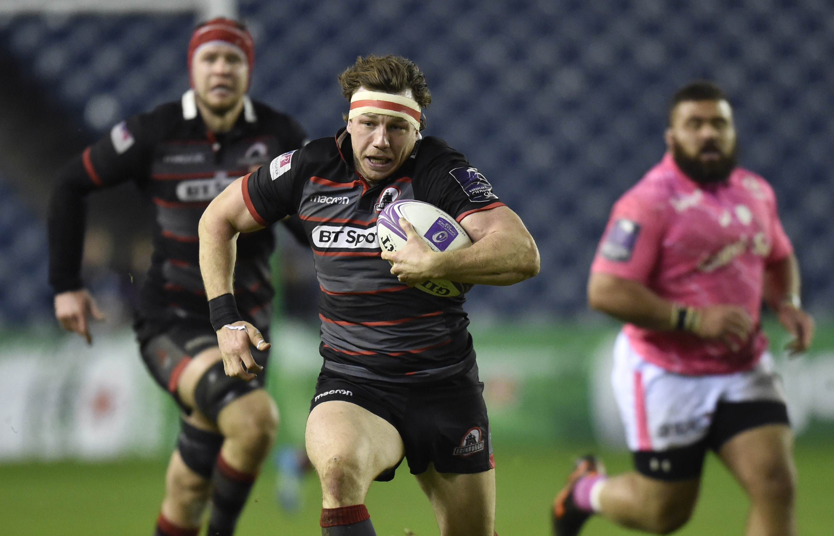 Hamish Watson bursts through for Edinburgh's first try in their thrilling win over Stade Francais.