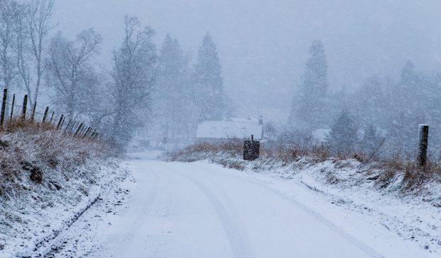 Heavy snowfall near Alyth.