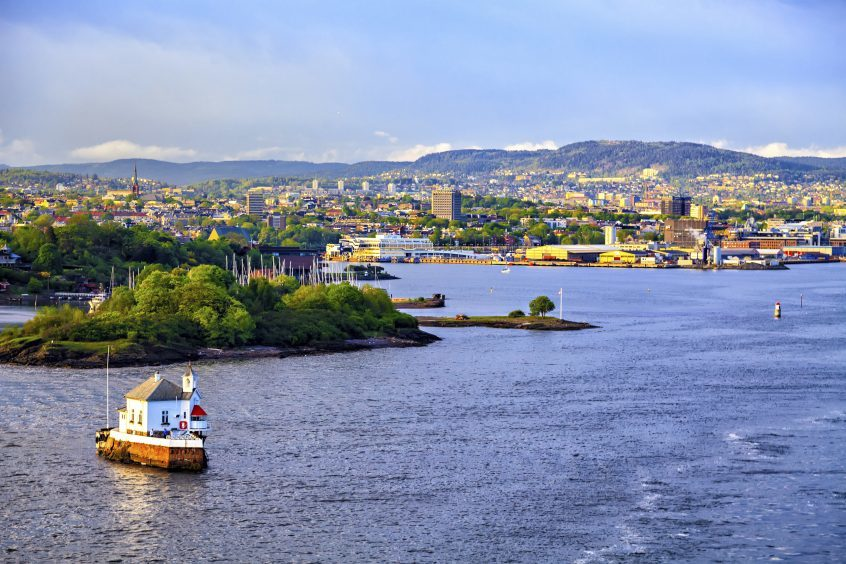 Shona Robison MSP has backed Dundee for any new Scotland to Scandinavia ferry route.