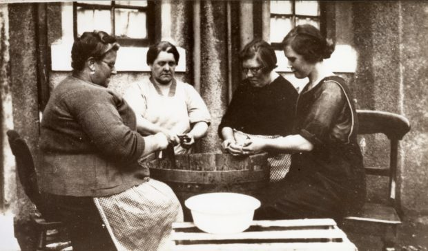 In Times of Strife, Making soup for the soup kitchen in Methil, 1926