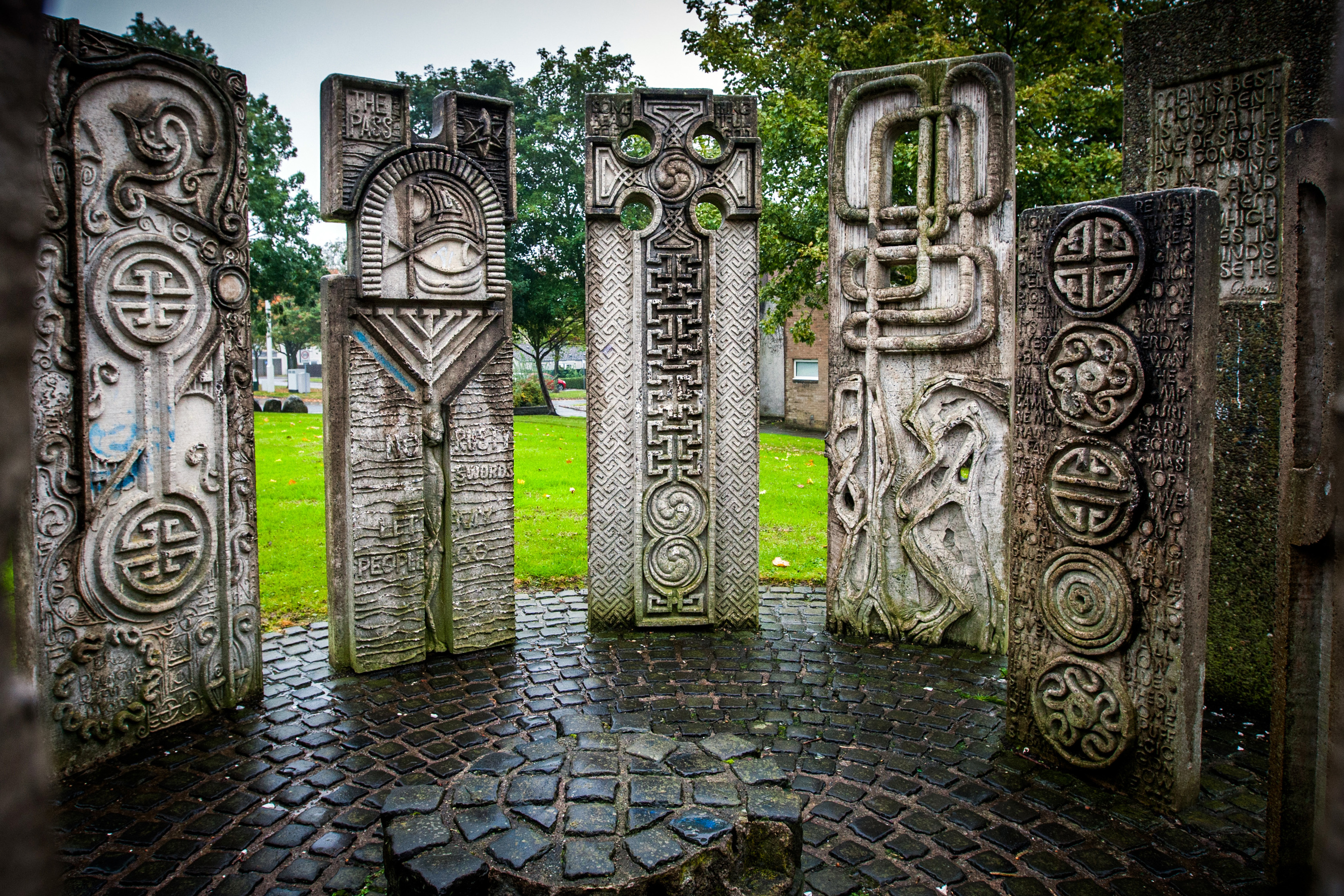 """""""The Henge"""" sculpture on Beaufort Drive, Pitteuchar, Glenrothes is on the list of town artworks in line for repairs and mainteance. Seating is to be repaired at the popular artwork."""