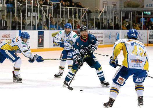 Stars' Adam Harding cuts through the Flyers defence.