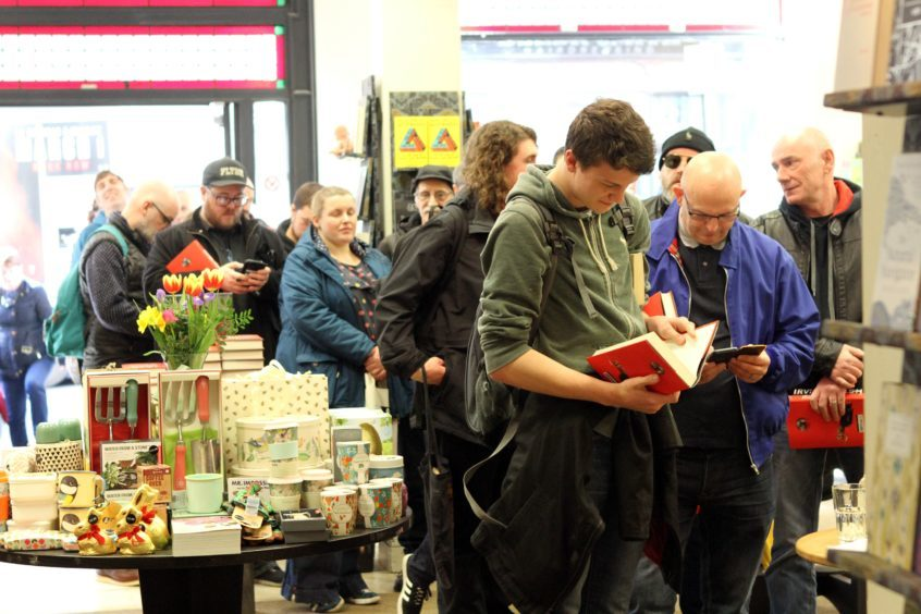 The queue in the shop