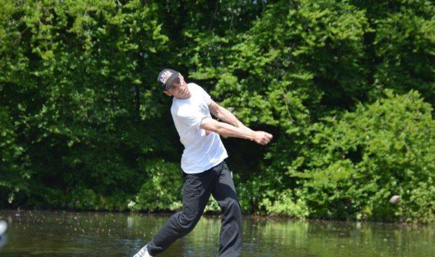 Champion stone skimmer Dougie Isaac