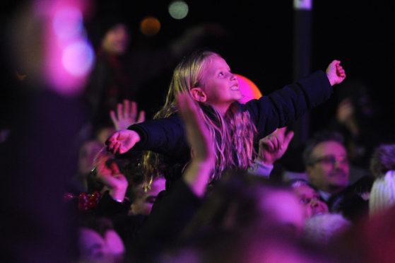Crowds watching Alesha Dixon in Perth.
