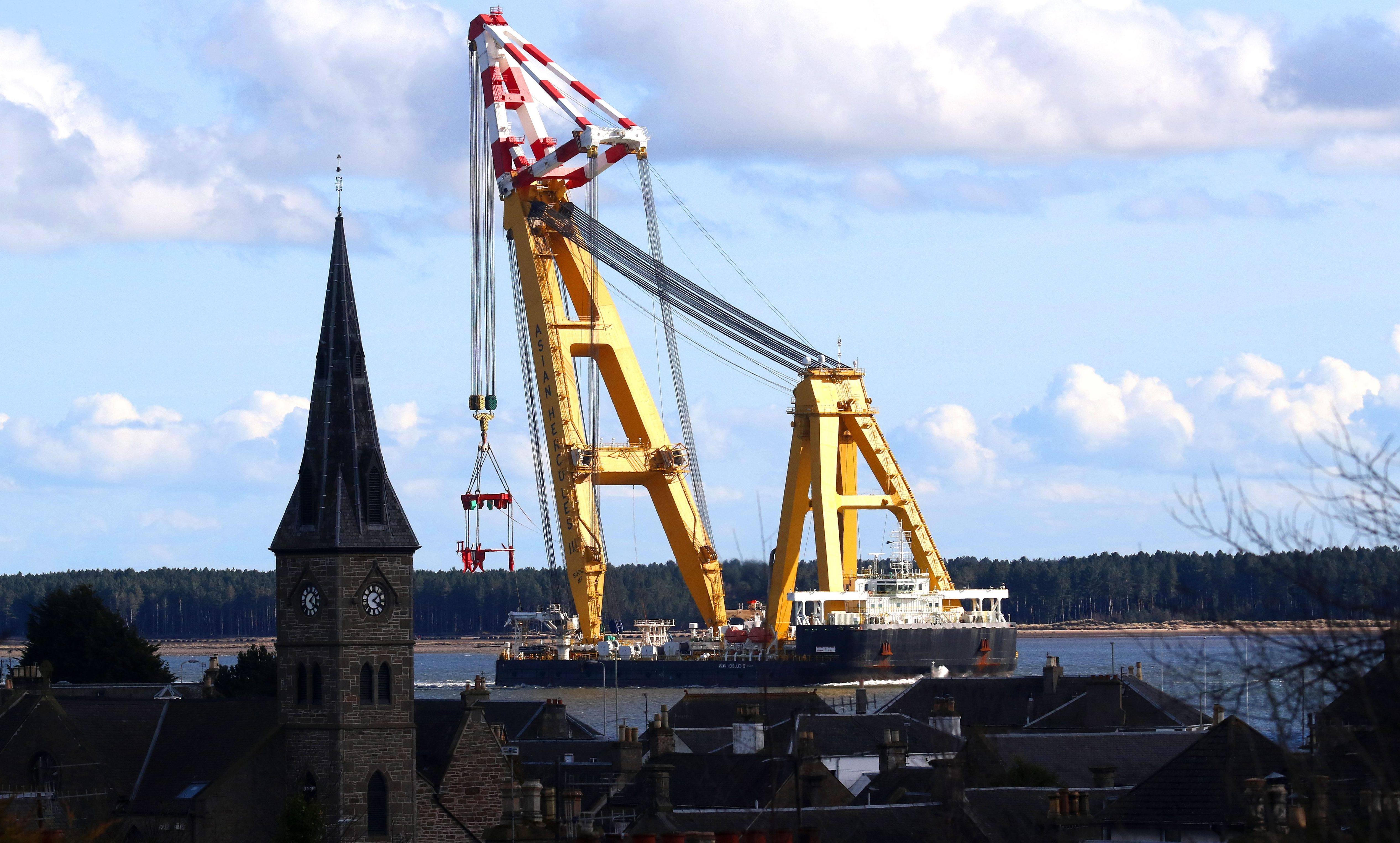 The Asian Hercules III crane passing Broughty Ferry.