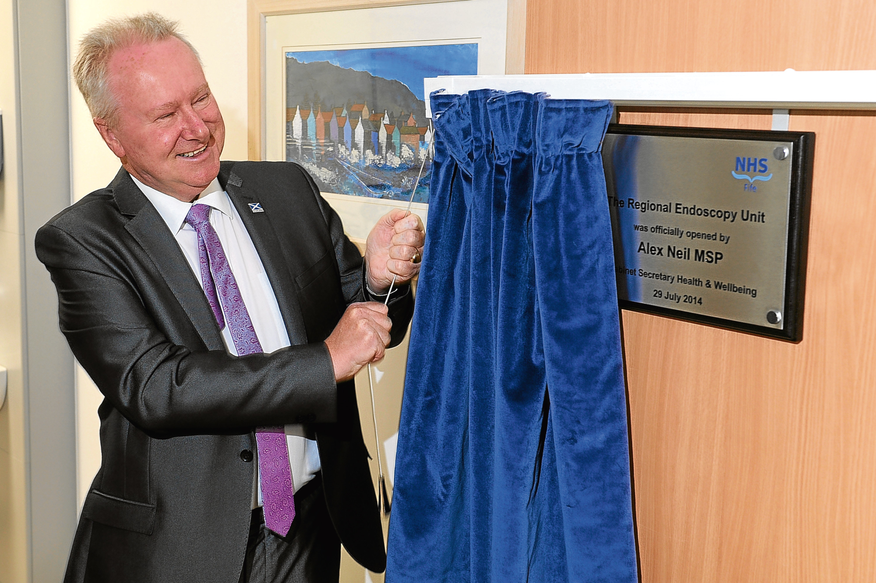 Kim Cessford - 29.07.14 - pictured in the new endoscopy suite at Queen Margaret Hospital, Dunfermline which was officially opened by Cabinet Secretary for Health Alex Neill MSP - Alex Neill unveils the plaque marking the official opening