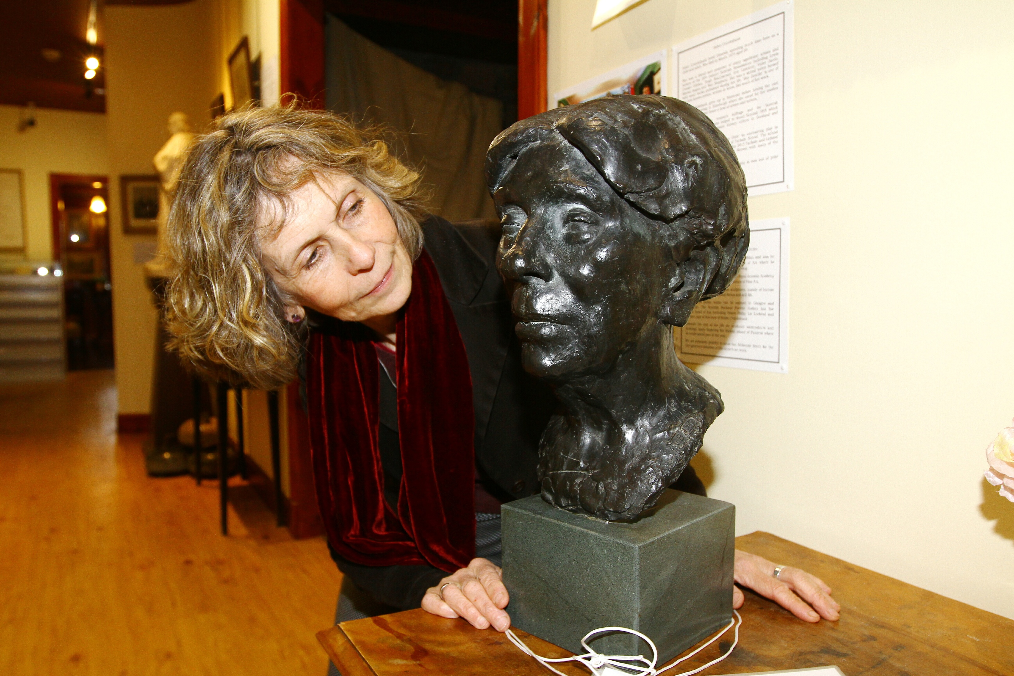 Maria MacDonell with the bust of Helen B Cruikshank from 1969, DC Thomson