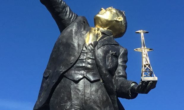 The face of the Watson Watt statue was sprayed with gold paint.