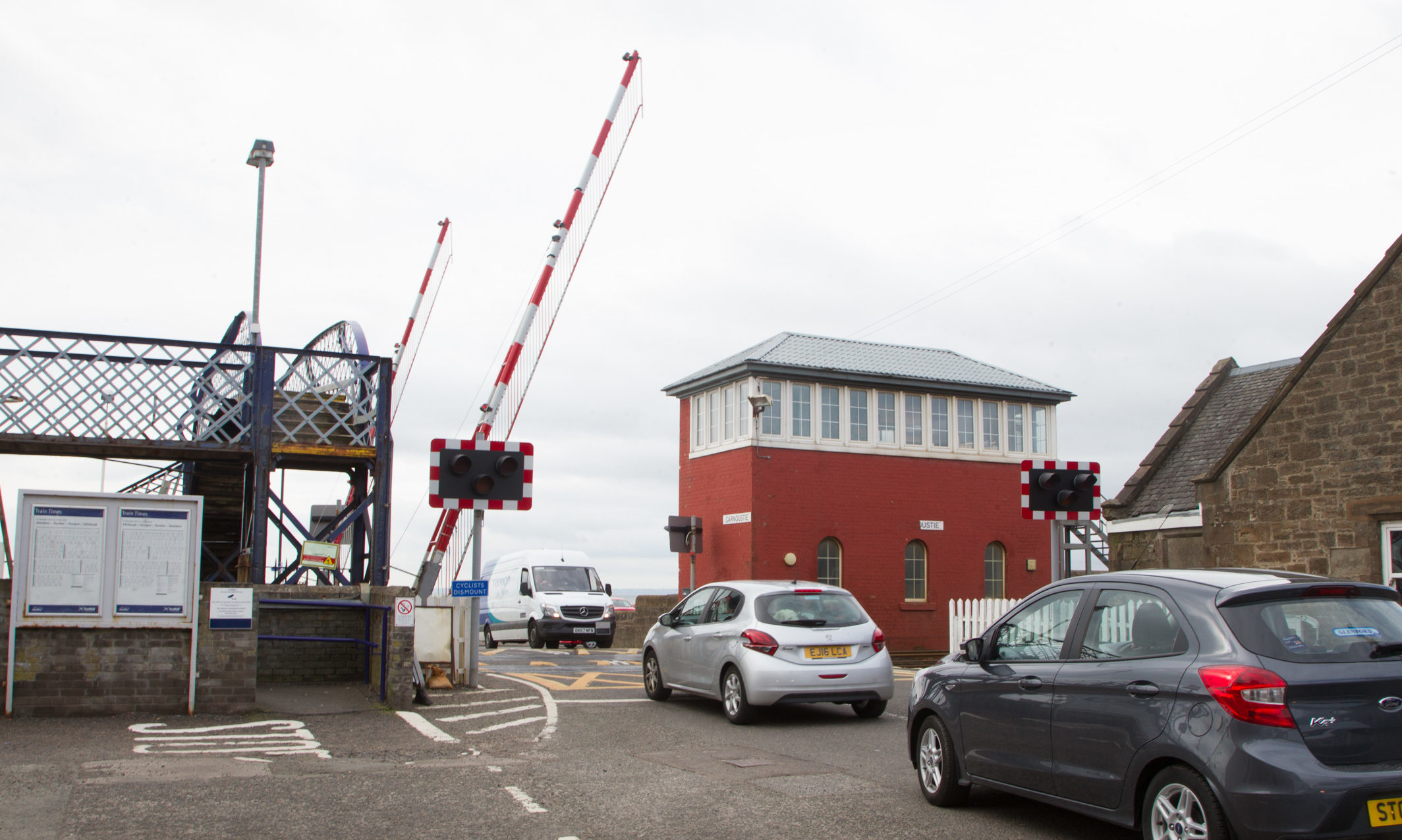 The level crossing at Carnoustie