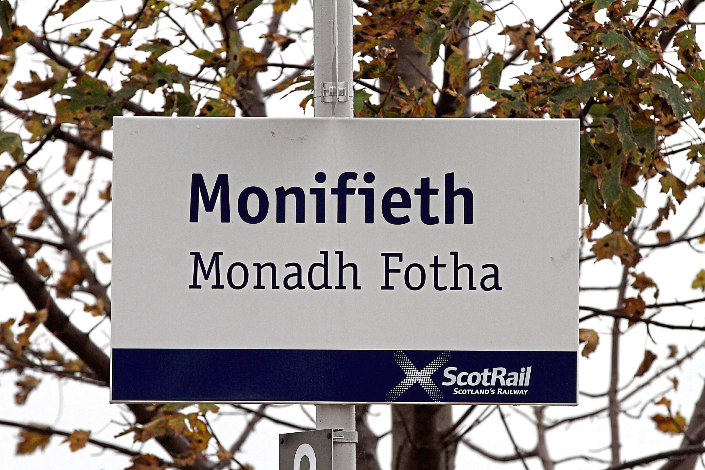 How can Gaelic be saved as a living language?