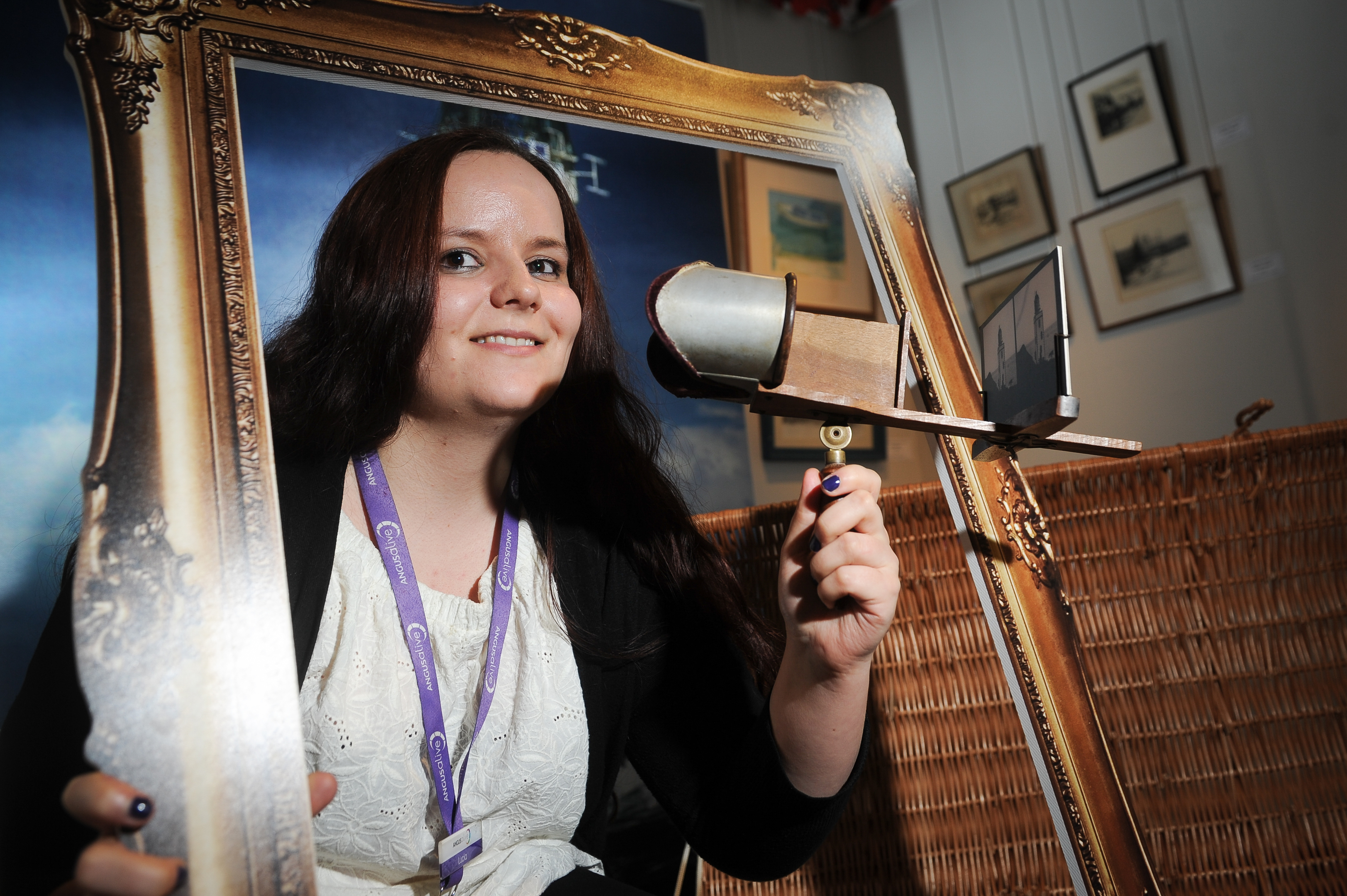Museum assistant, Lucia Wallbank with the steroscopic viewer