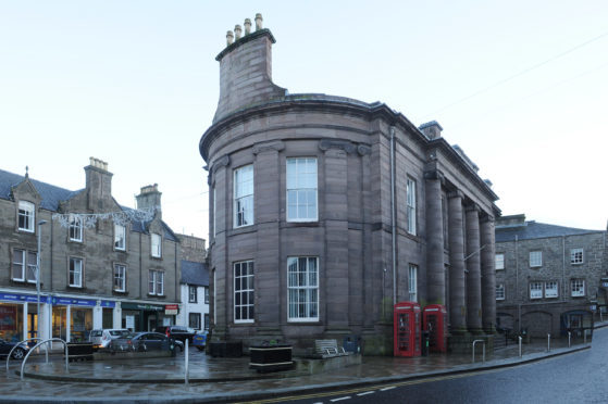 The Municipal Building in Forfar will receive £45,000 from the Forfar common good fund for window refurbishment and secondary glazing.