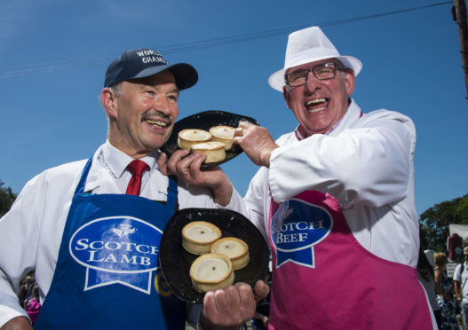 Alan Pirie (left) and Stephen McAllister faced each other in the pie-off