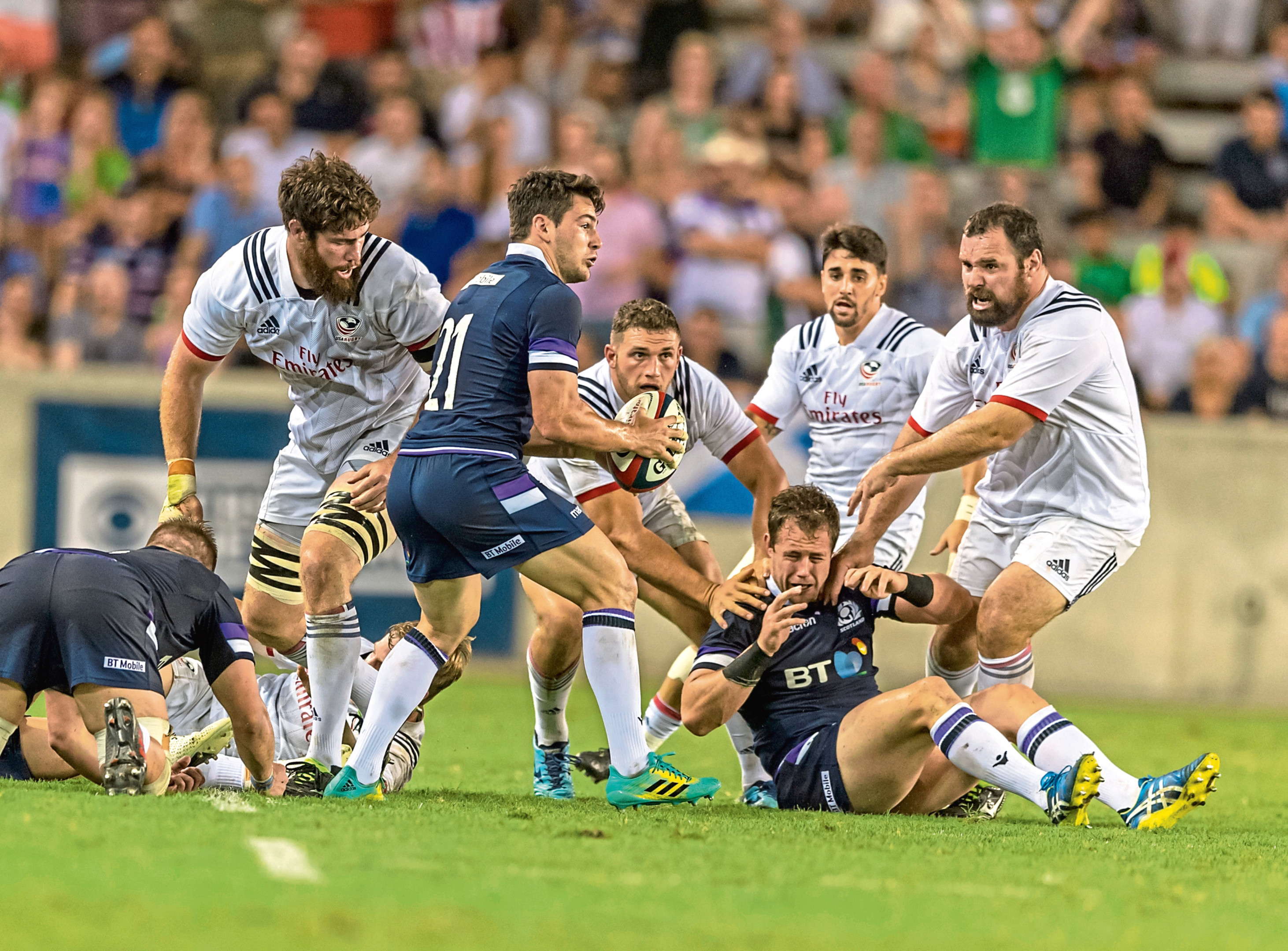 Rugby June 16, 2018 - Houston, Texas, US - Scotland Men's Rugby Team Sam Hidalgo-Clyne (21) looks to pitch the ball during the Emirates Summer Series 2018 match between USA Men's Team vs Scotland Men's Team at BBVA Compass Stadium, Houston, Texas (Credit Image: ? Maria Lysaker via ZUMA Wire)