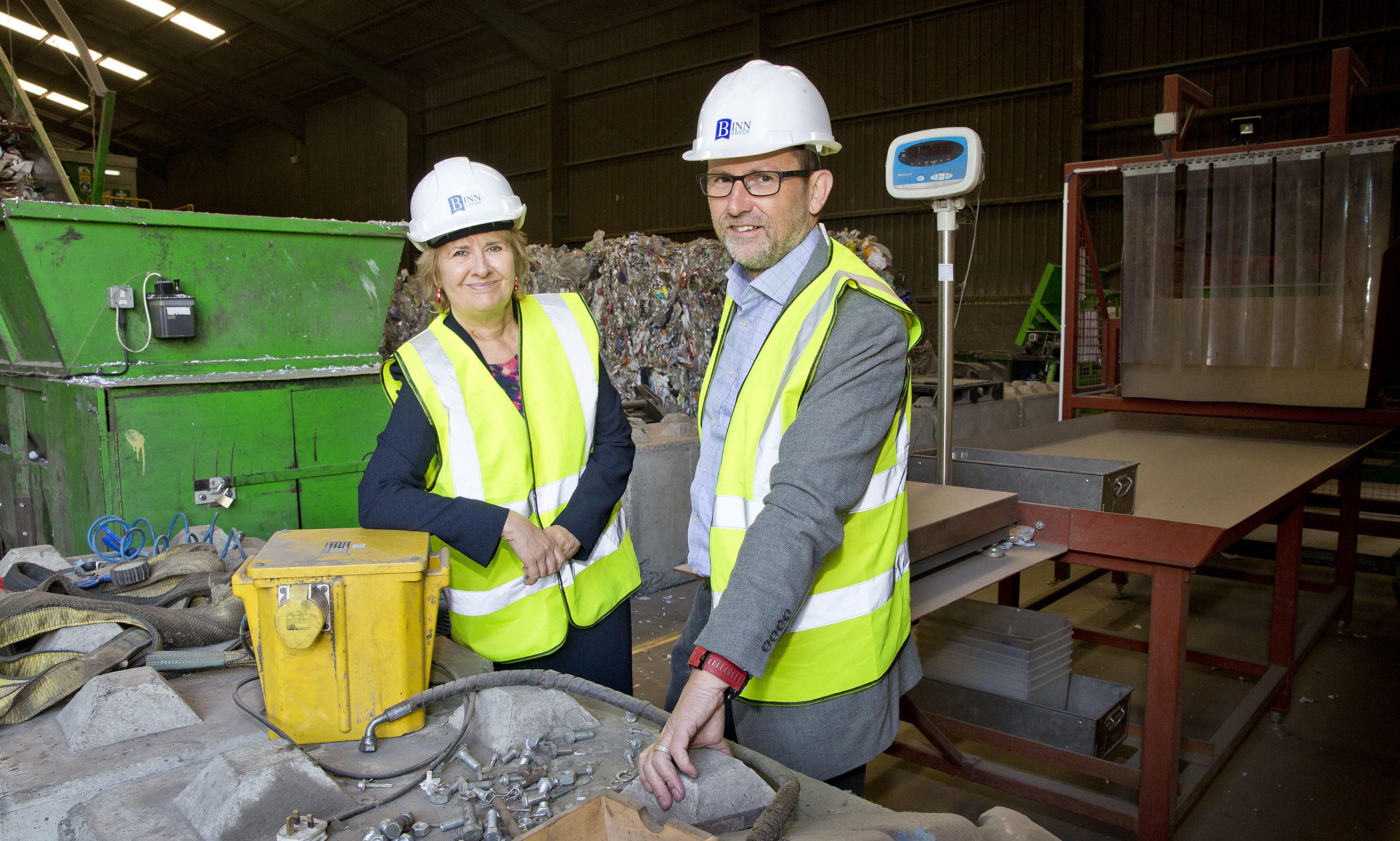 Cabinet Secretary Roseanna Cunningham and Zero Waste Scotland CEO Iain Gulland at Binn Farm, Glenfarg.