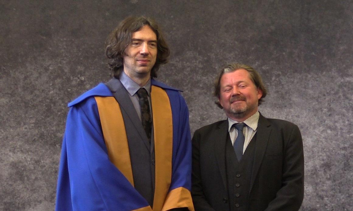 Gary Lightbody with Tom Simpson before the Dundee University graduation ceremony
